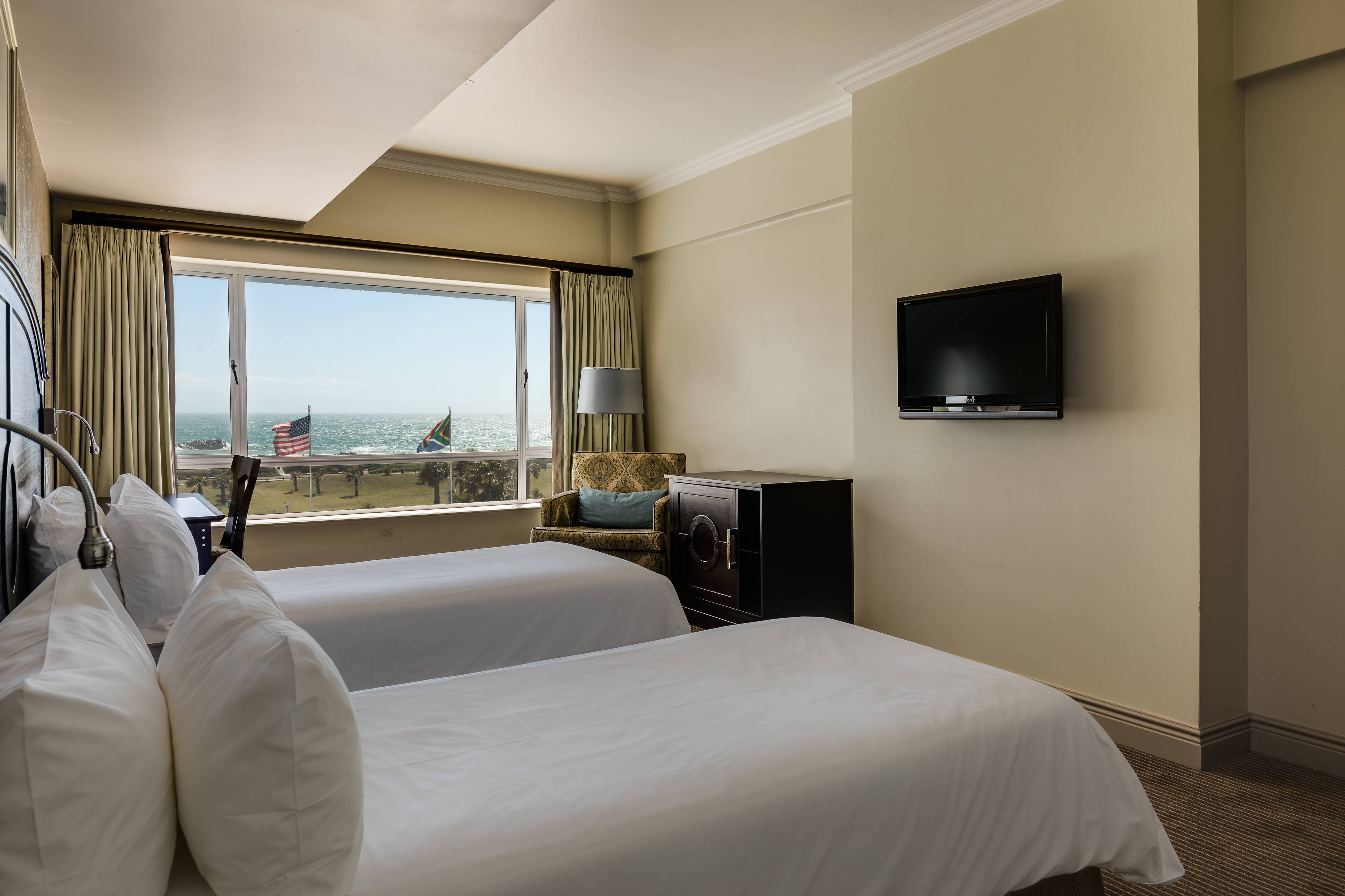 Standard Twin Room - Sea View