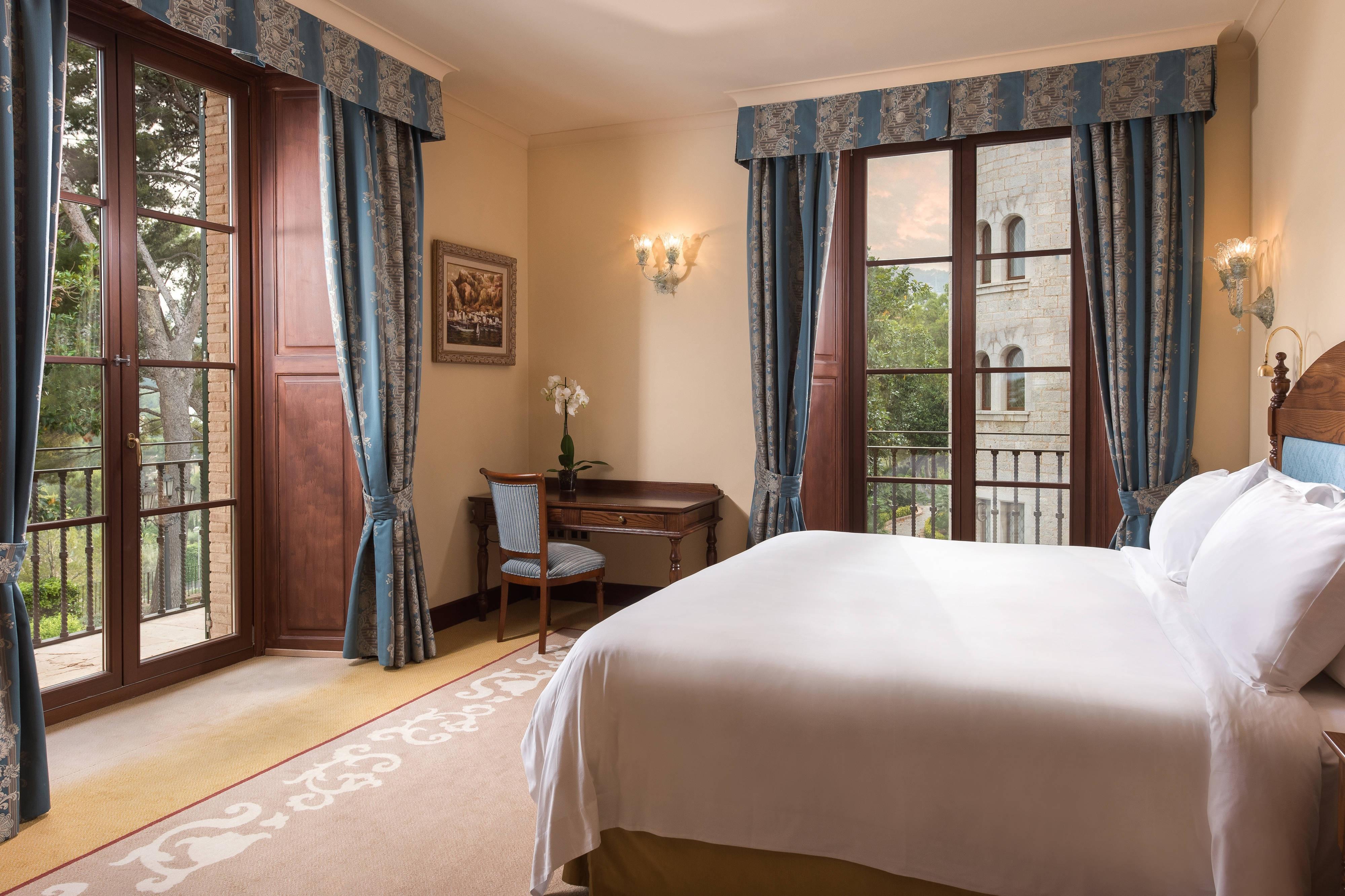 Classic Suite - Bedroom
