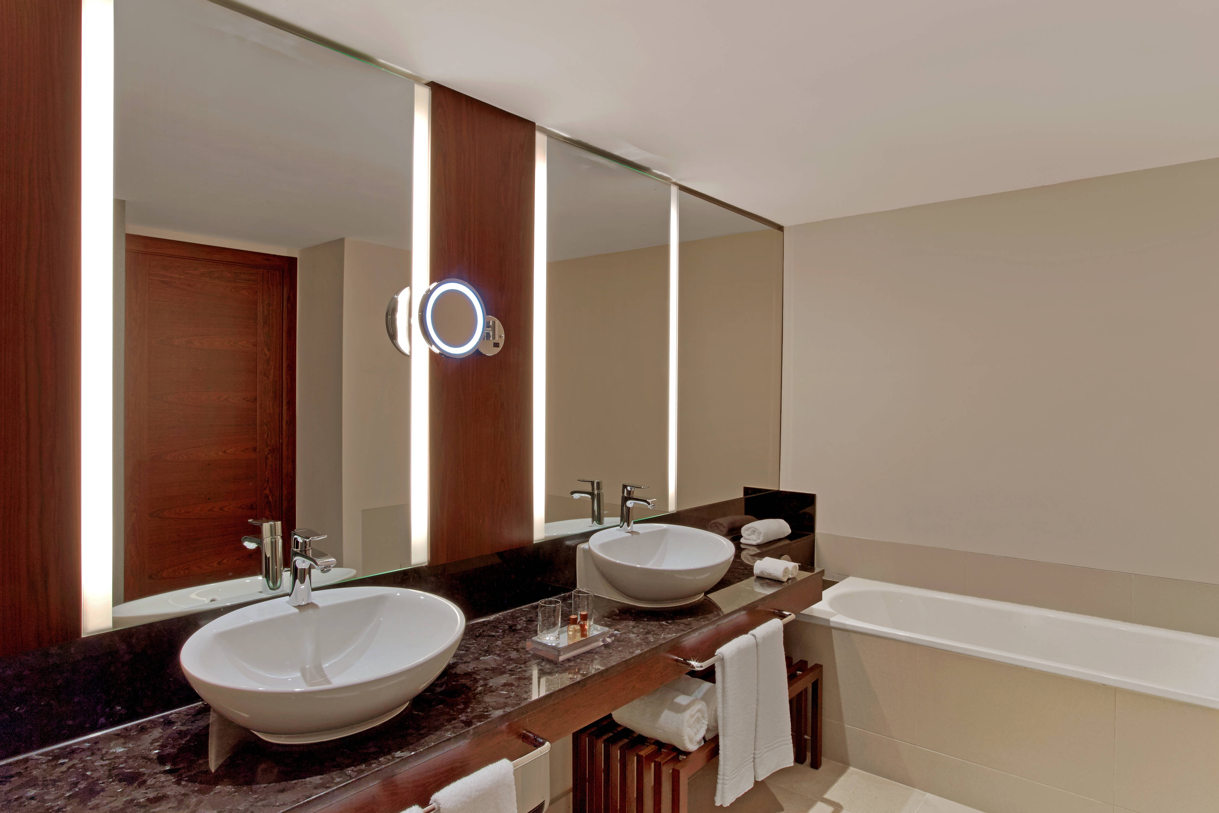 Hole in One Suite - Bathroom