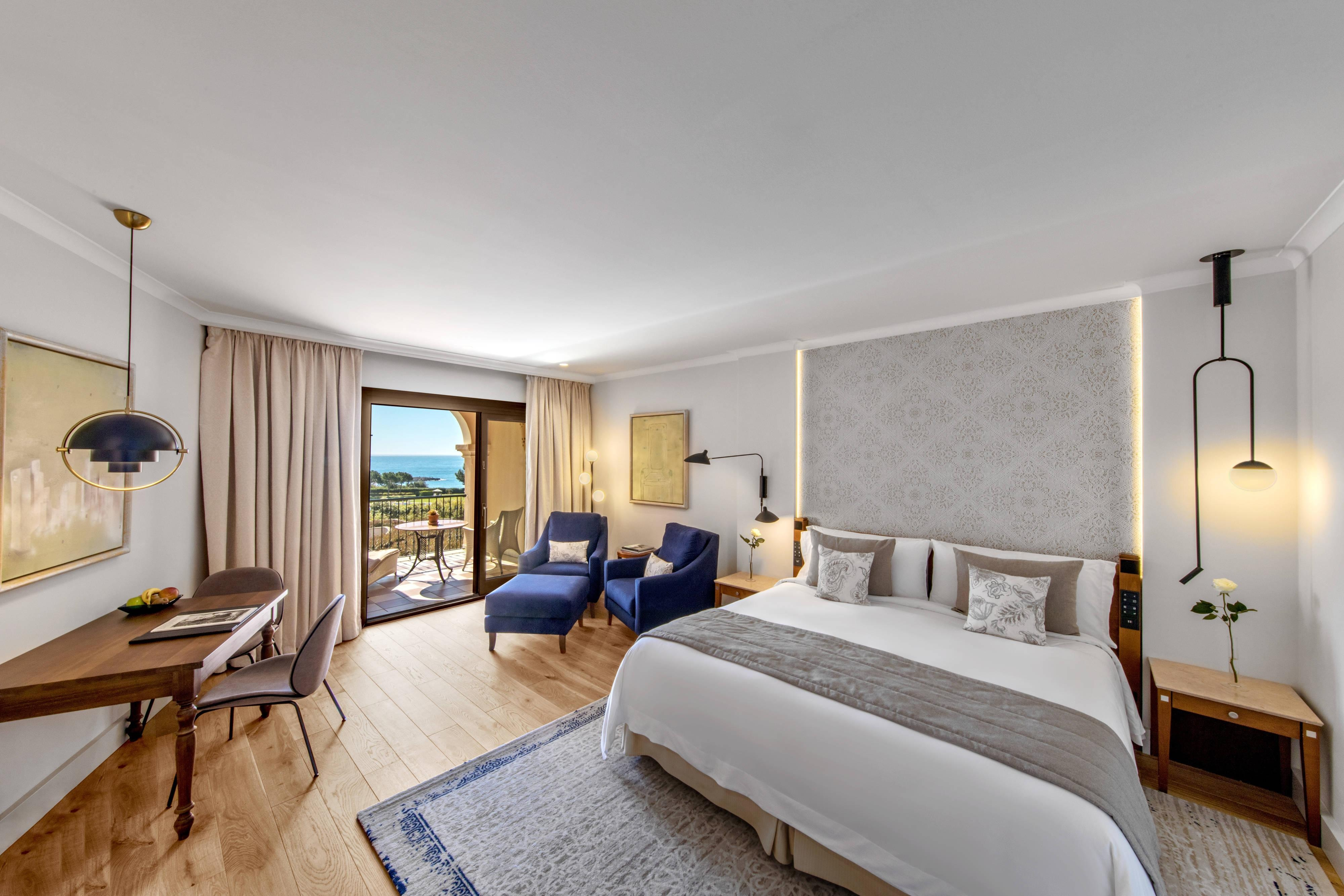 King Grand Deluxe Sea View Guest Room