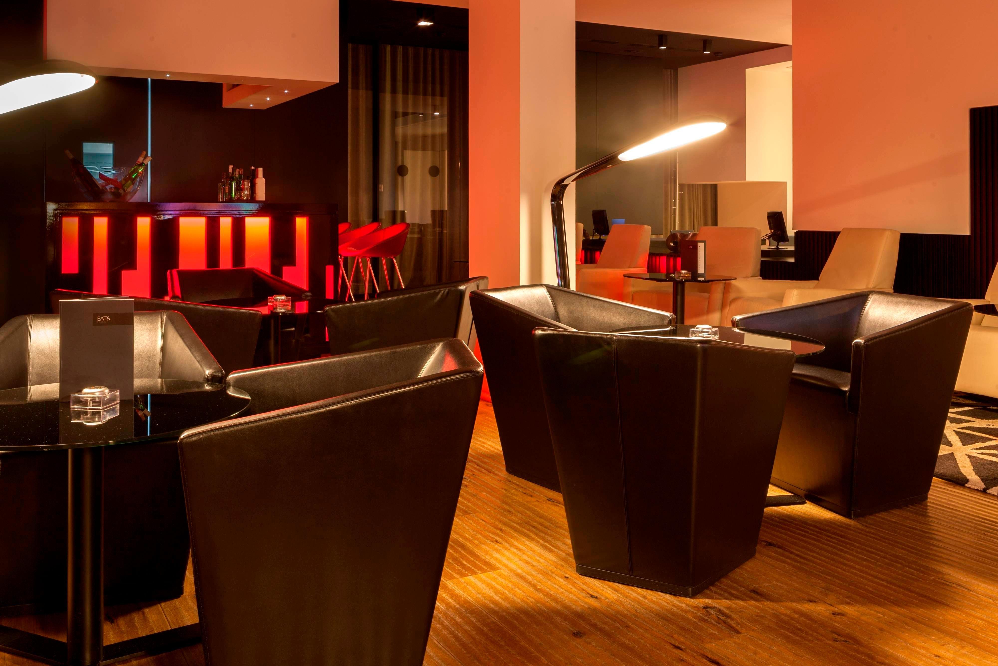 AC Hotel Ciudad de Pamplona lounge