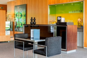 Hotels in Pamplona with lounge