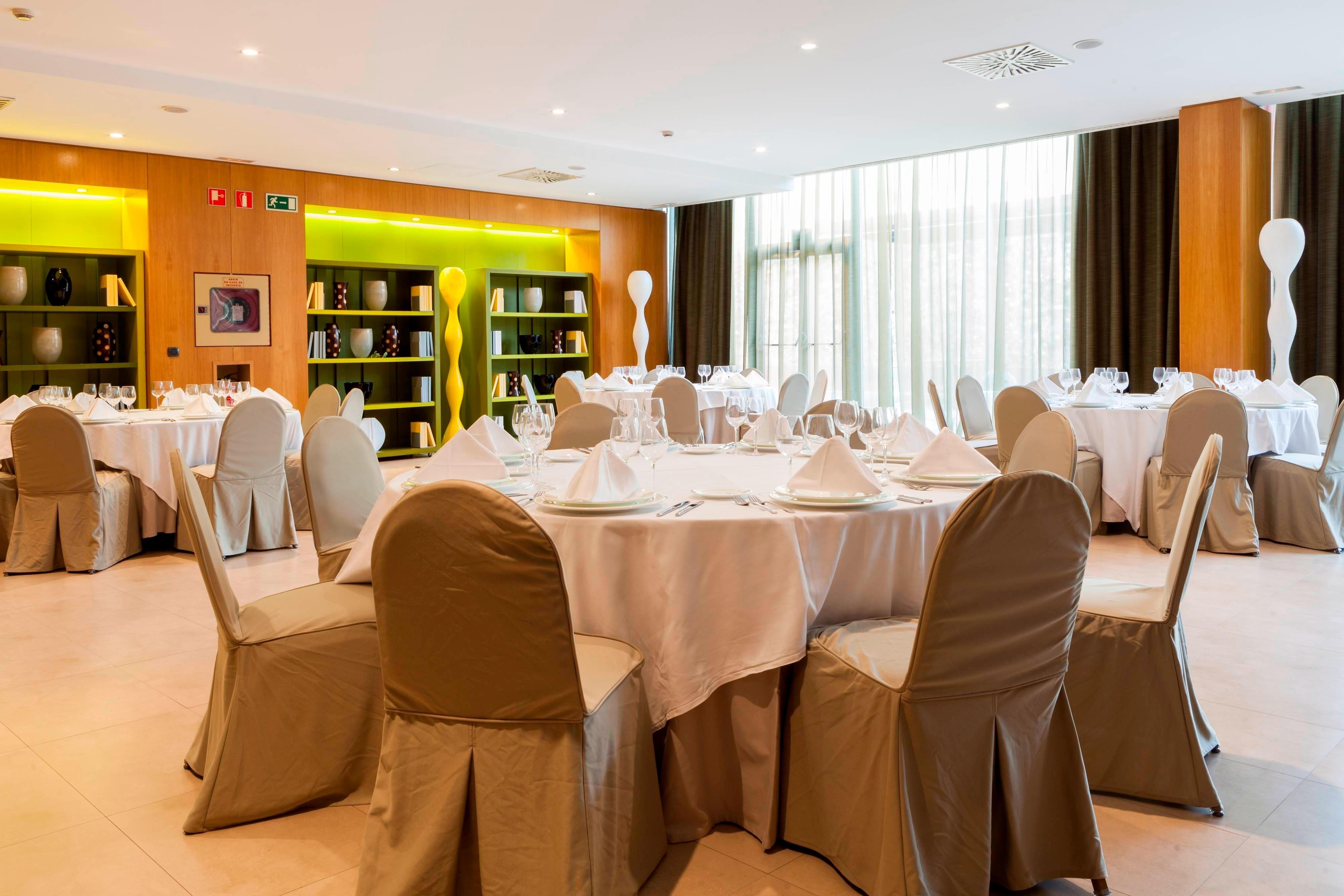 Salas de reuniones en hotel de Zizur