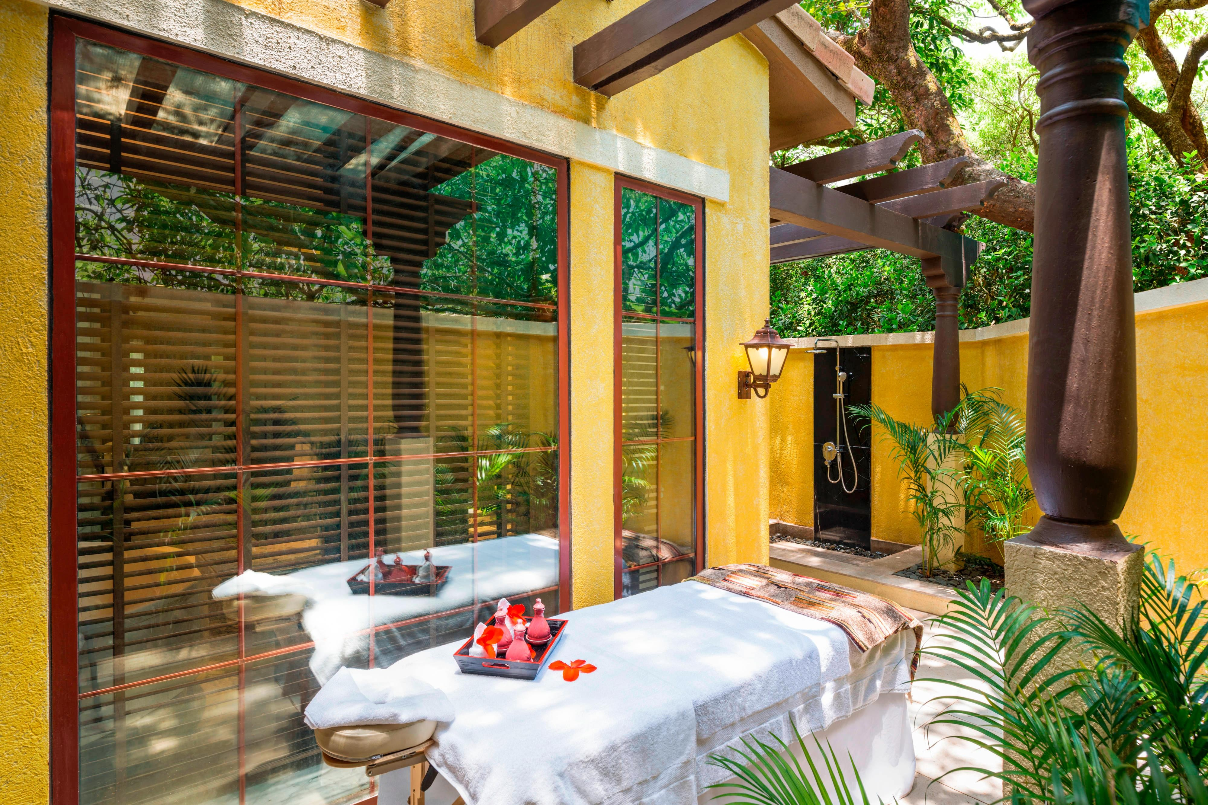 Serenity Suite - Outdoor Spa