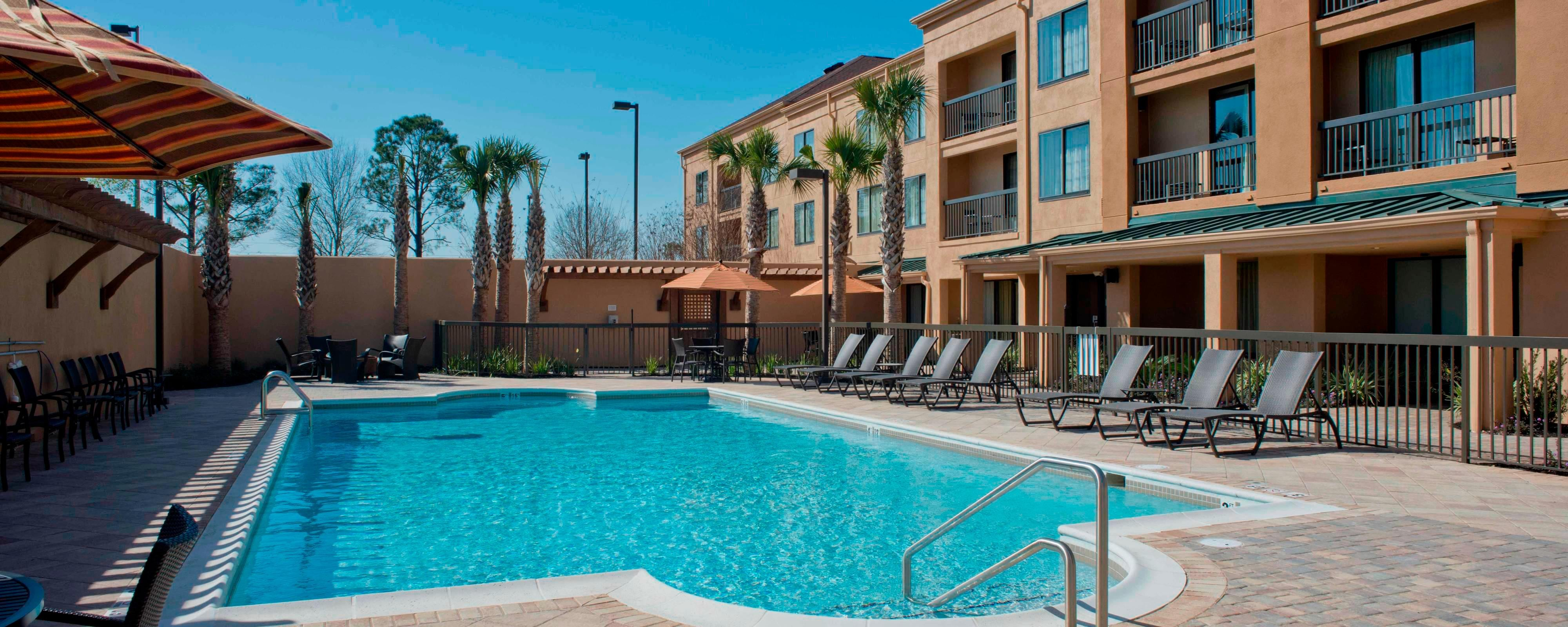 Outdoor Pool Courtyard Gulf Shores