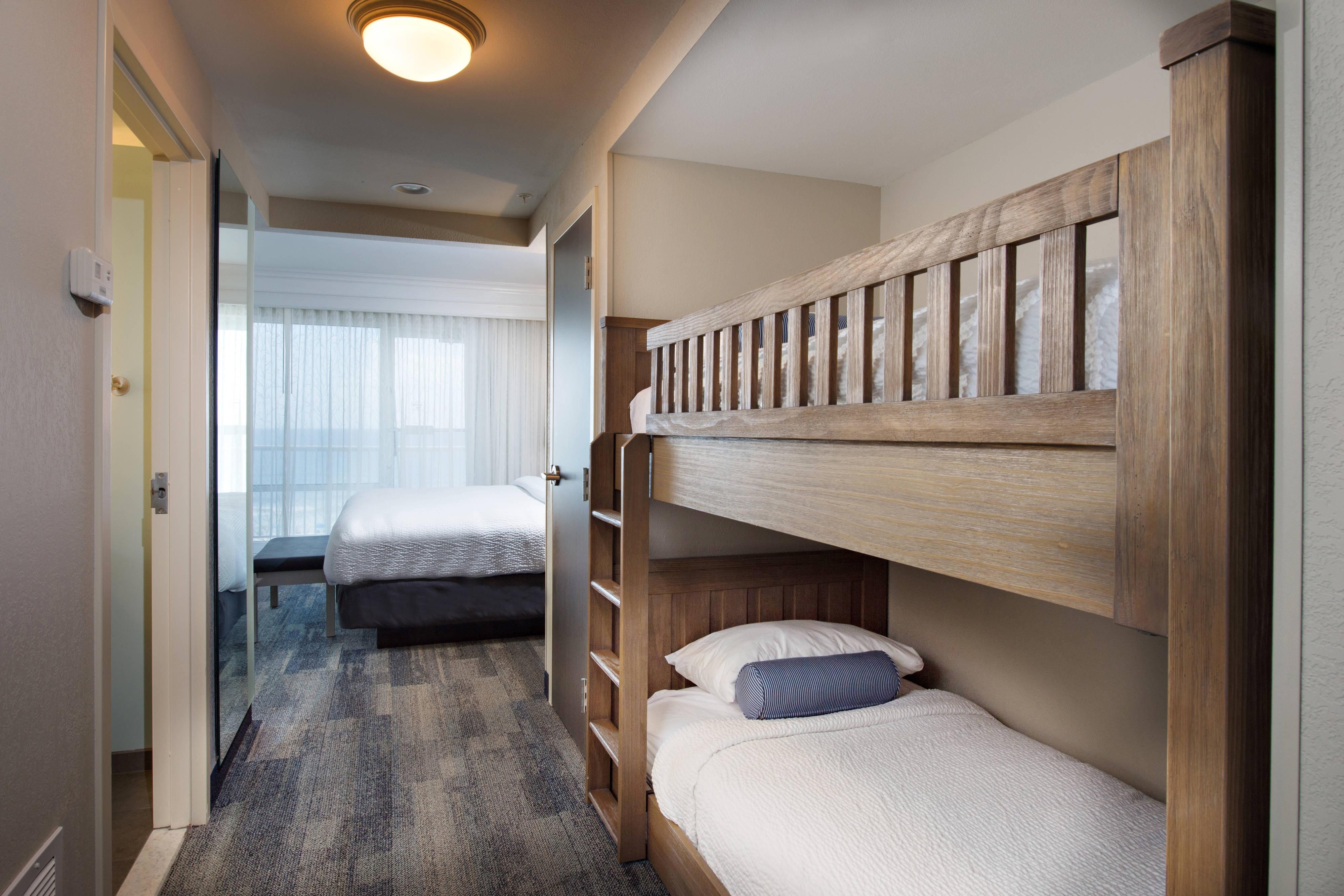 Pensacola Beach hotel bunk beds