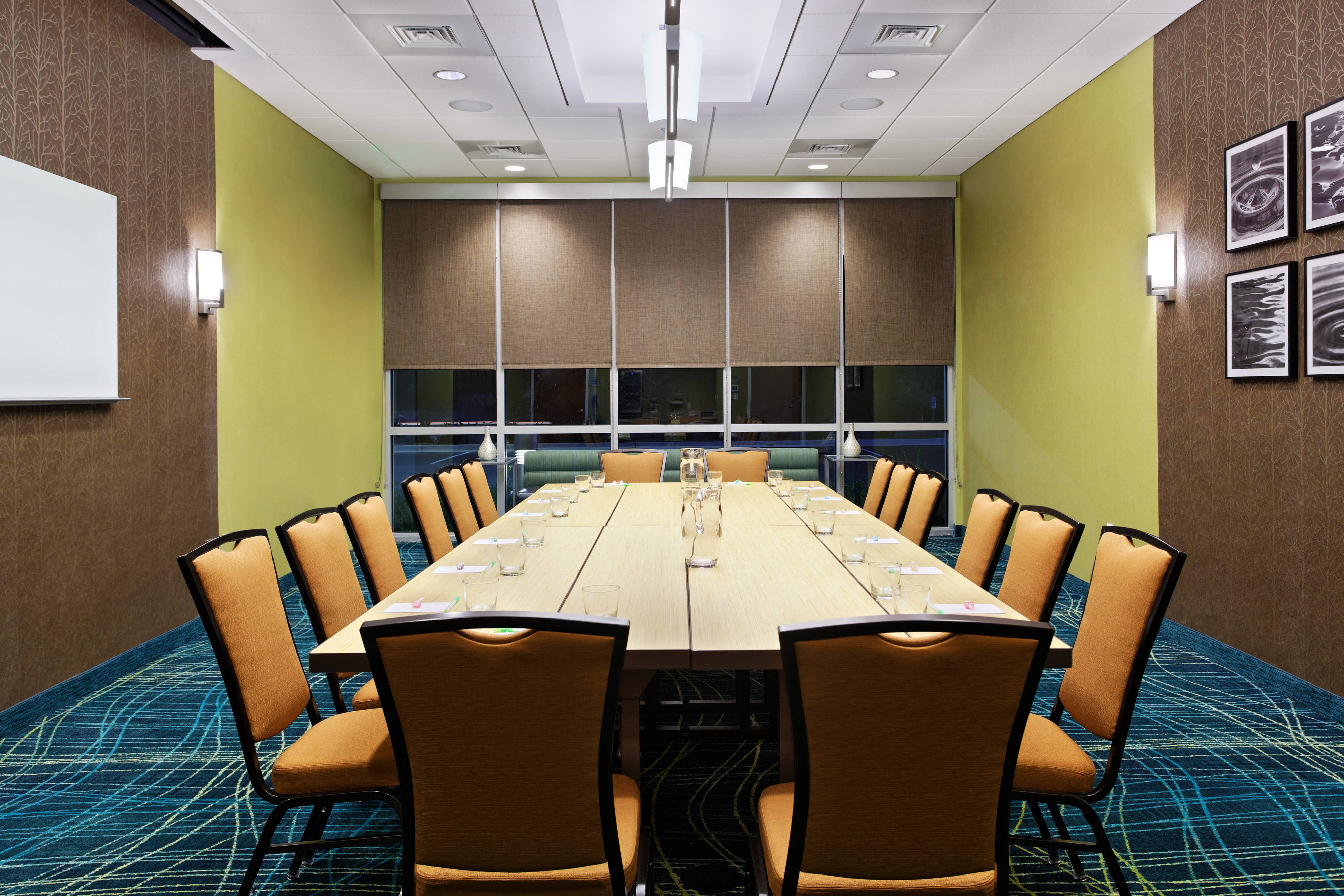 pensacola hotel meeting room