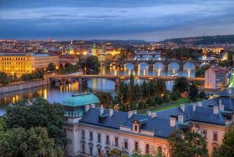 Moldaubrücken in Prag