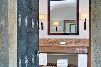 Classic Suite - Bathroom