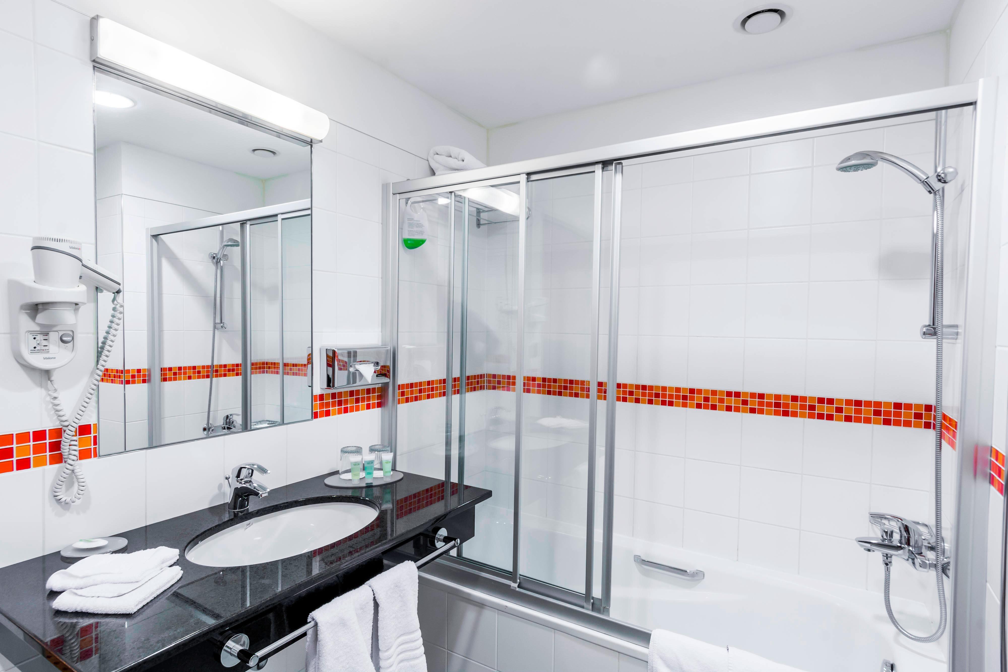 Pilsen hotel bathroom
