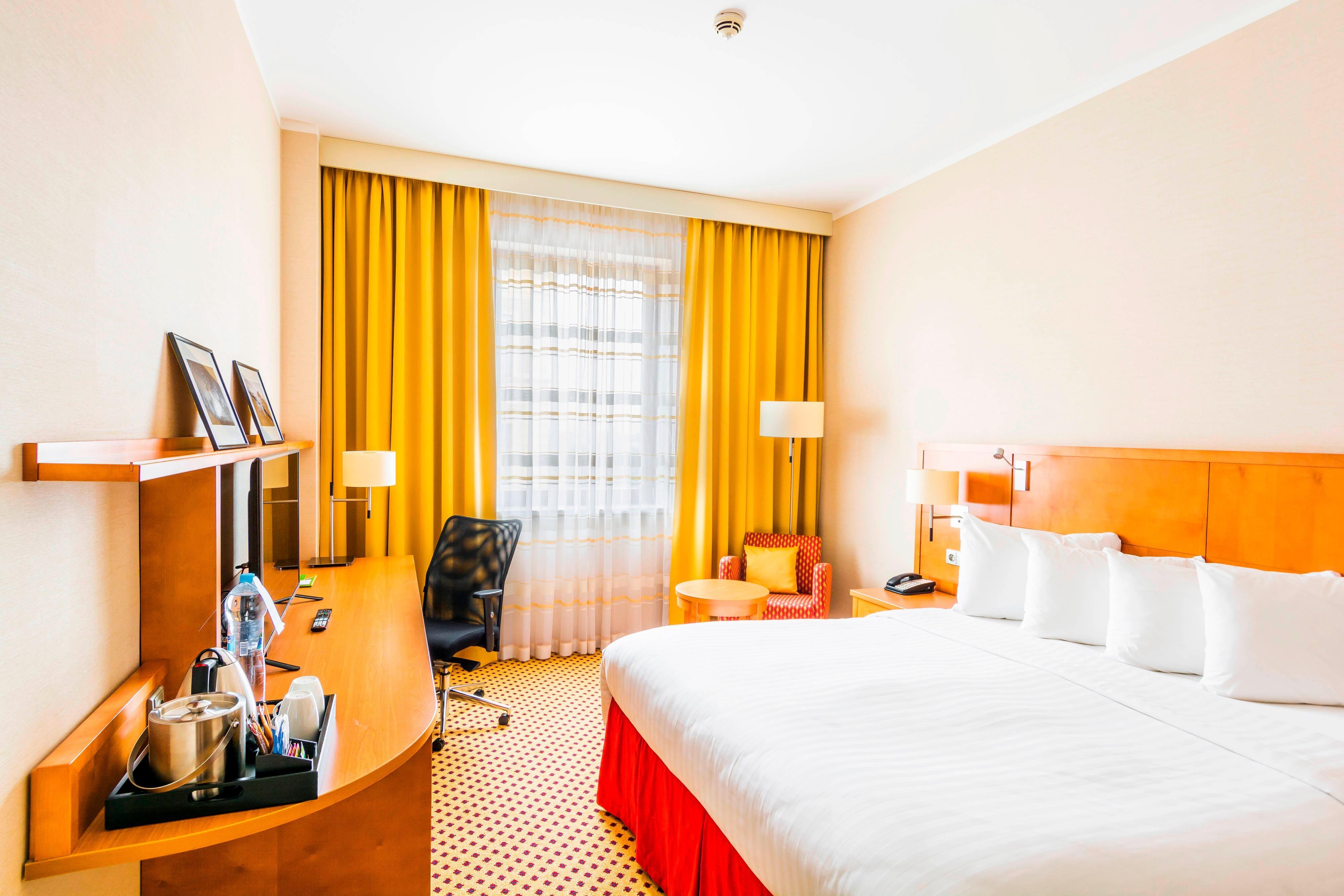 Pilsen hotel guestroom features