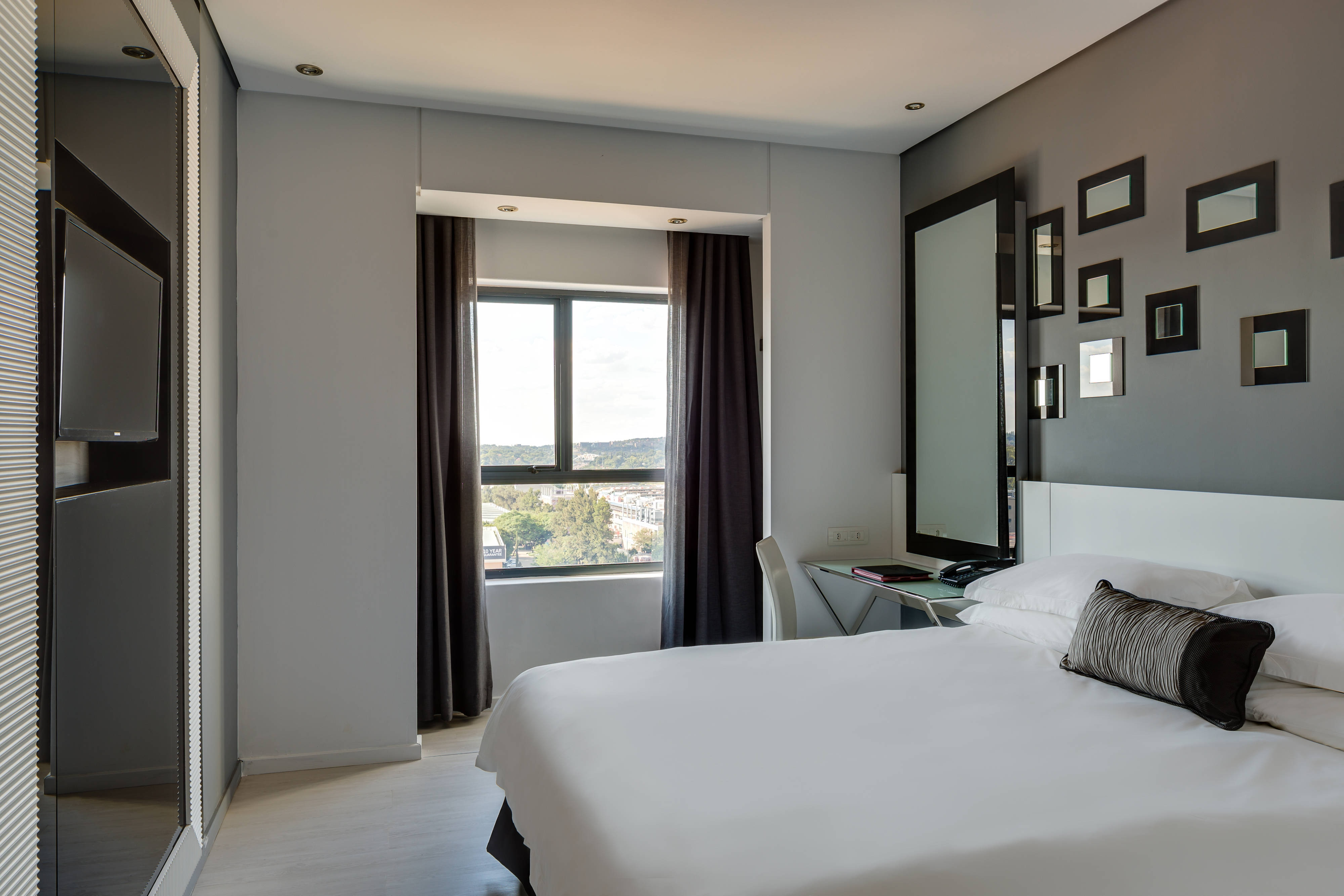 Fire & Ice! Menlyn Queen Guest Room