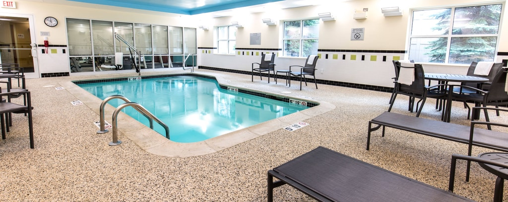 Exeter nh hotels with indoor pool fairfield inn suites portsmouth exeter for Hotels in portsmouth with swimming pool