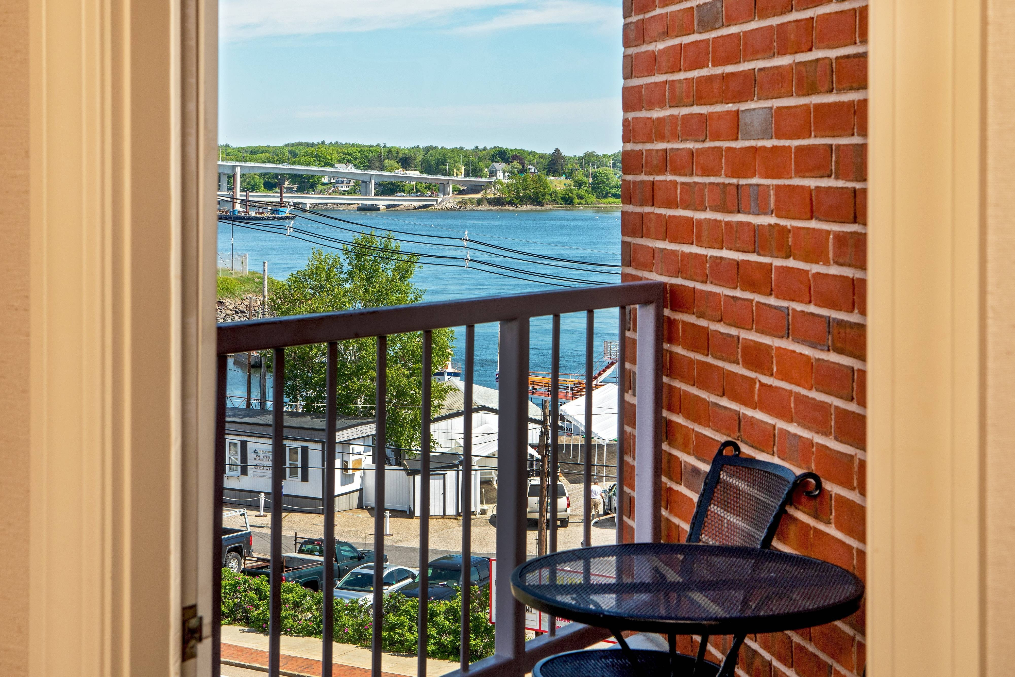 Suite Balcony con vista sul porto