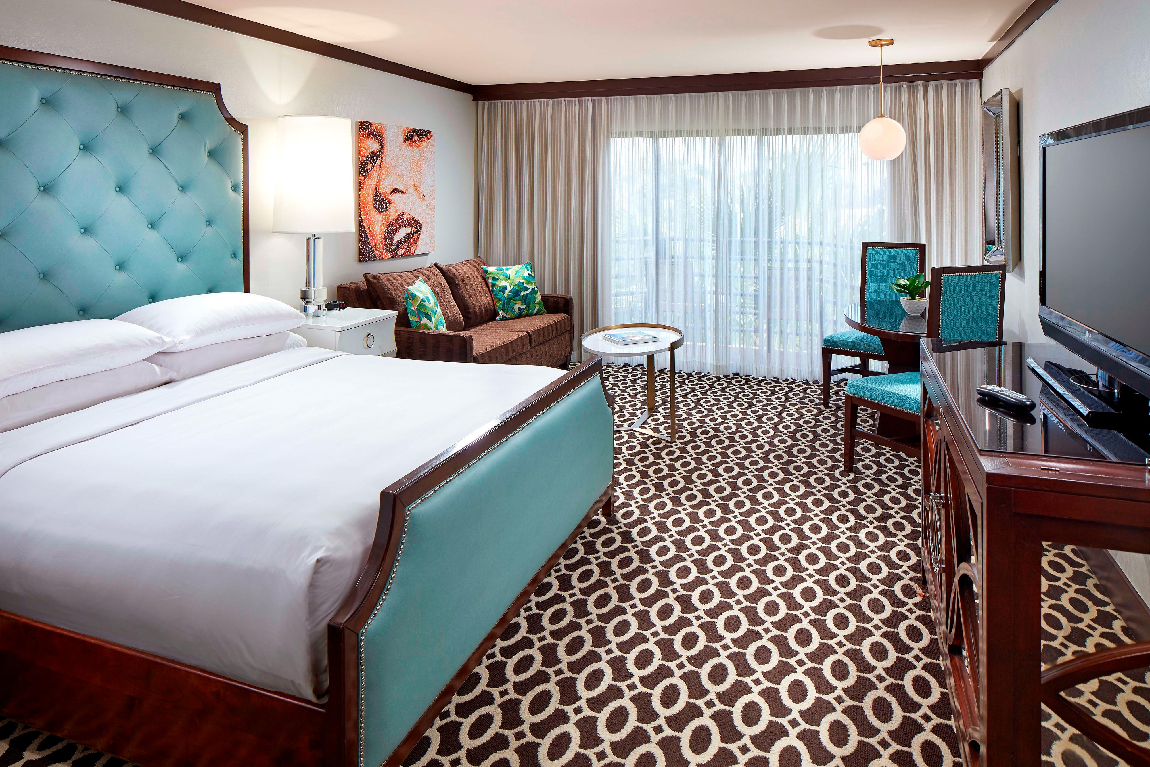 Rooms: The Riviera Palm Springs, A Tribute