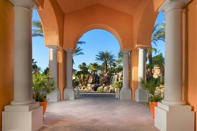 arches with fountain