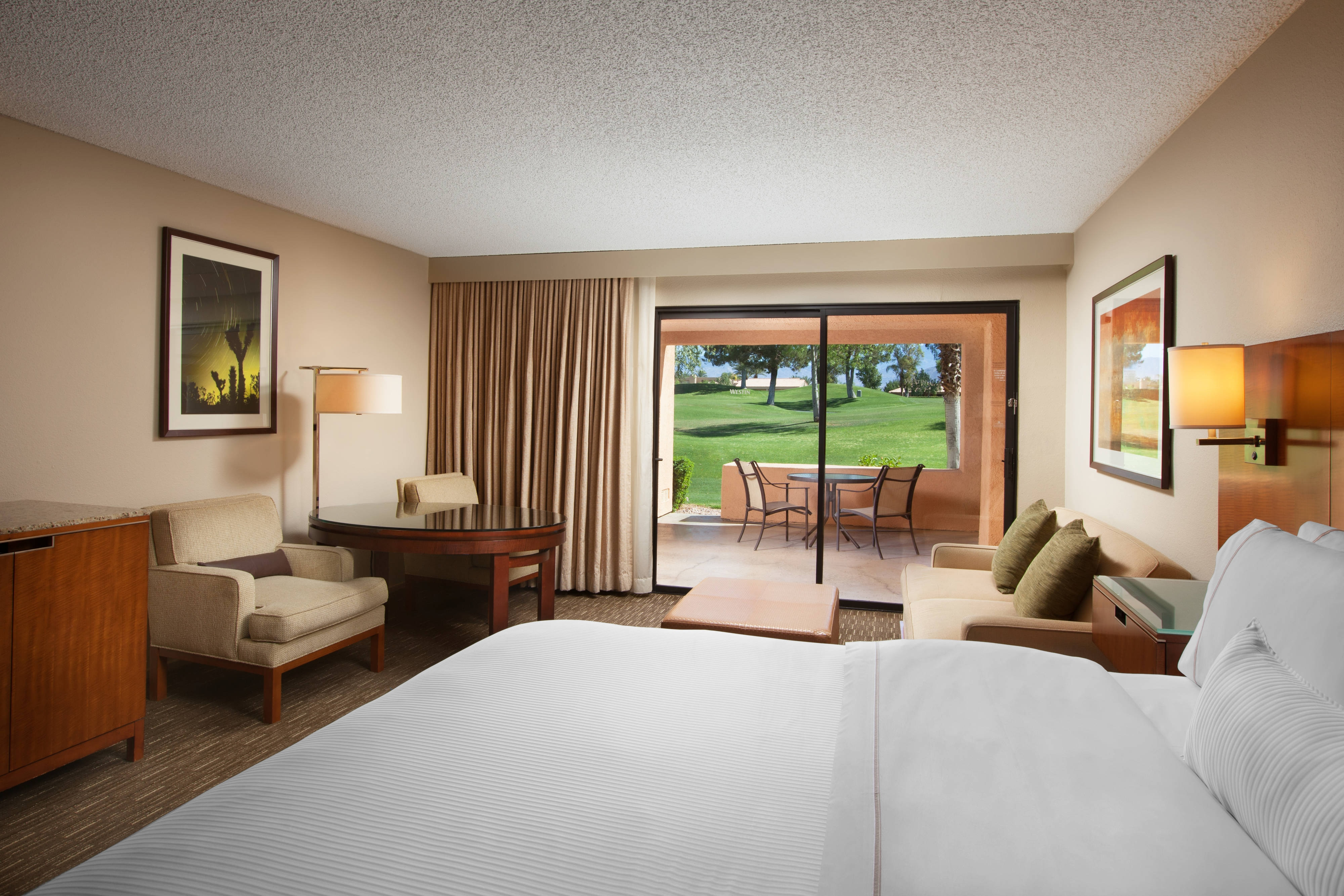 Deluxe Golf View Room - King