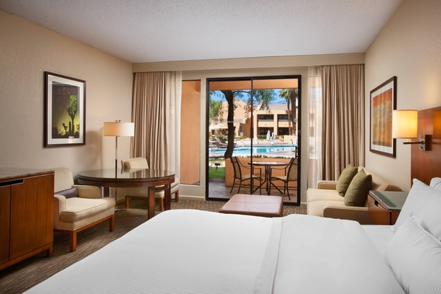 Deluxe Pool View Room - King