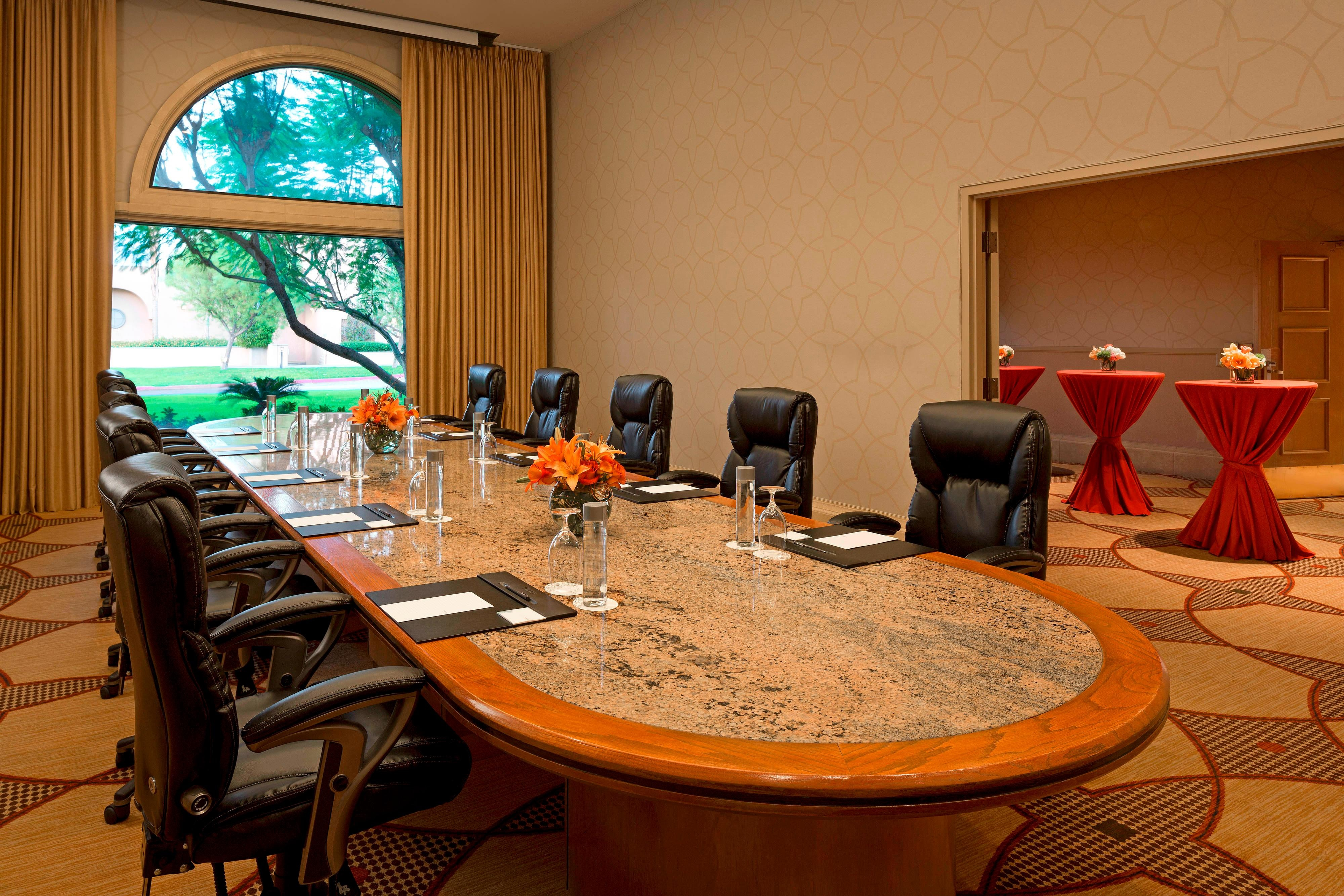 Mission Hills Boardroom
