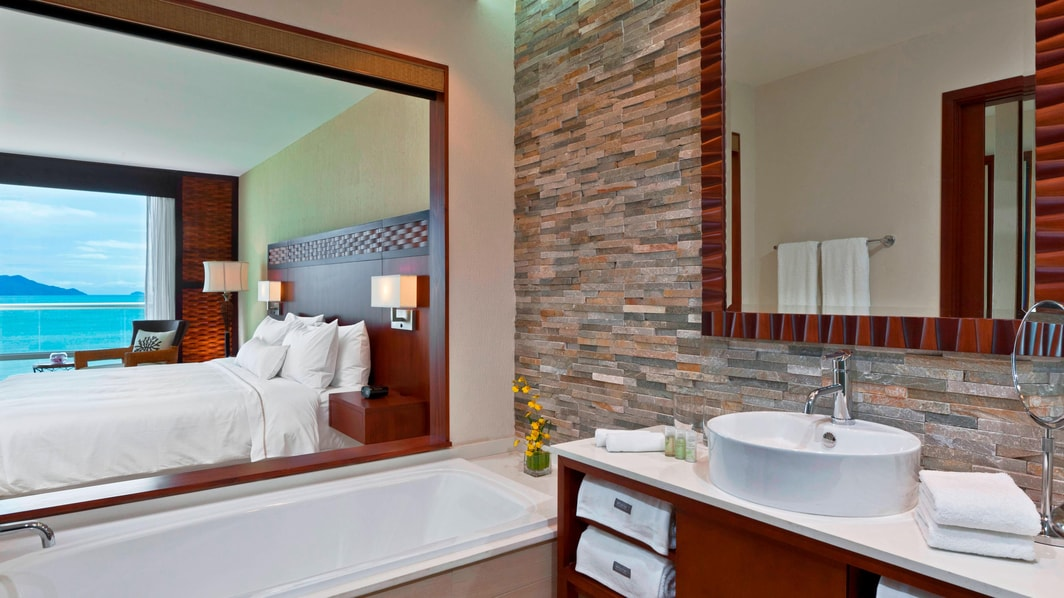 Deluxe Ocean View Room - Bathroom