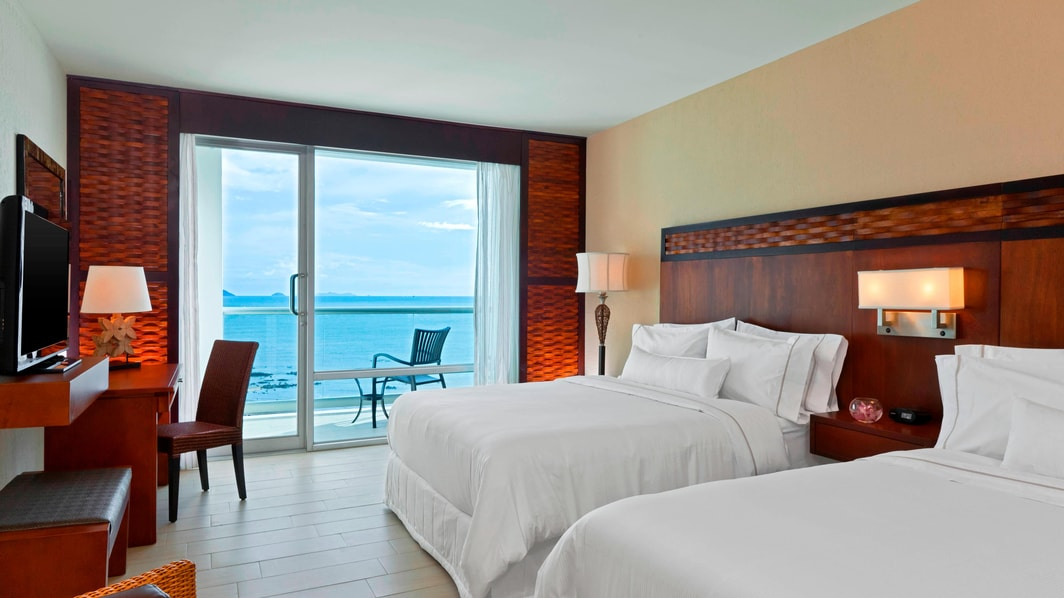 Deluxe Double/Double Ocean View Room
