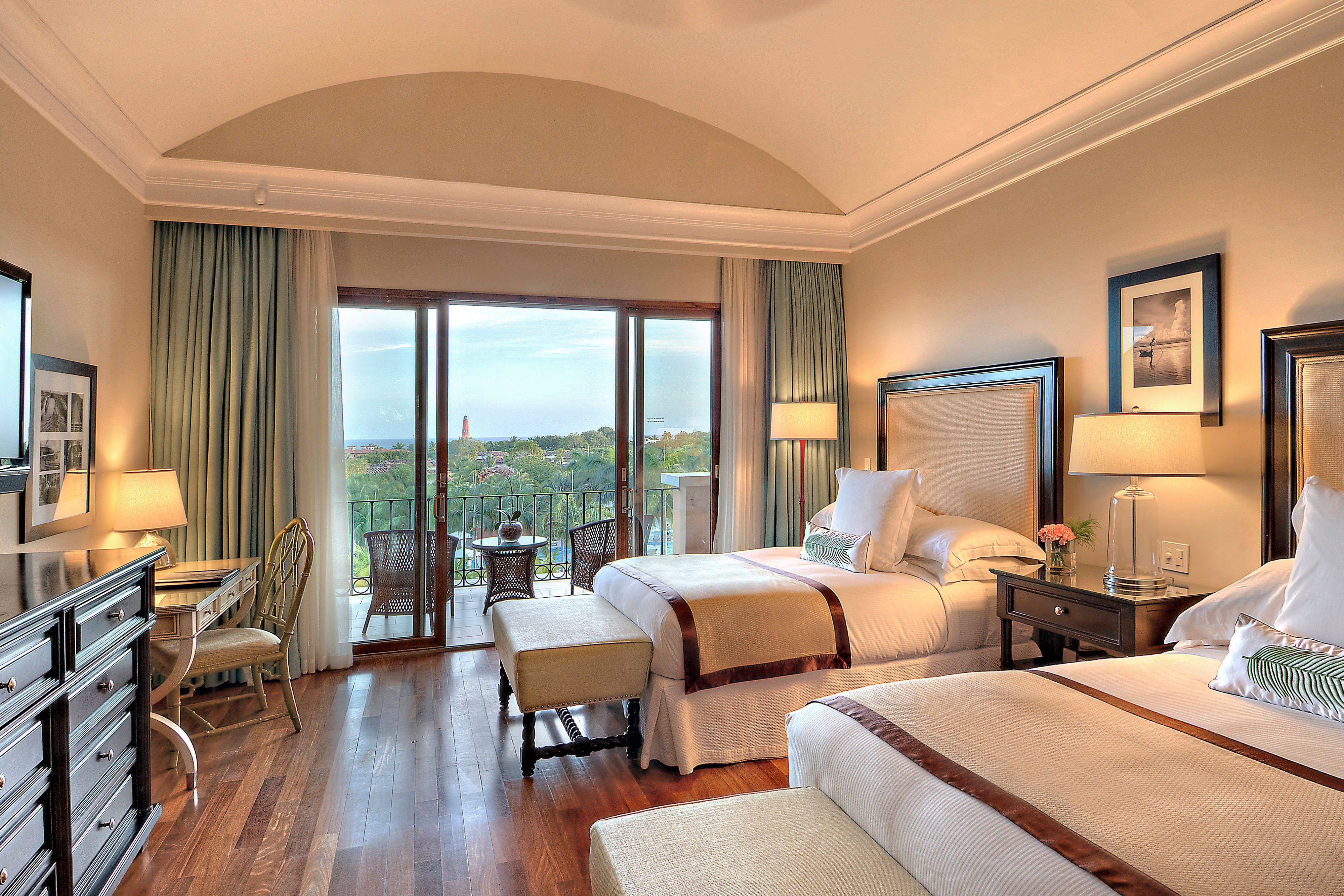 Double/Double Guest Room - Pool View