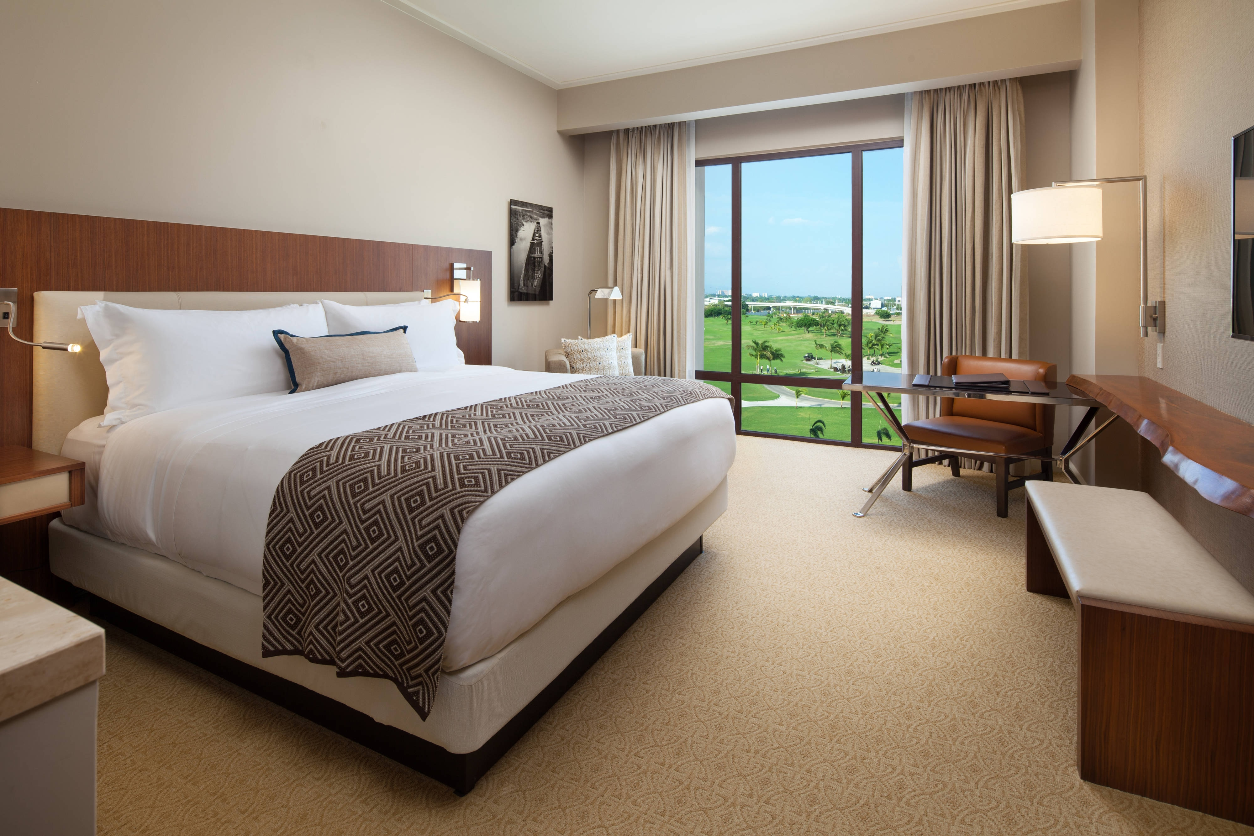 King Deluxe Room with Golf View