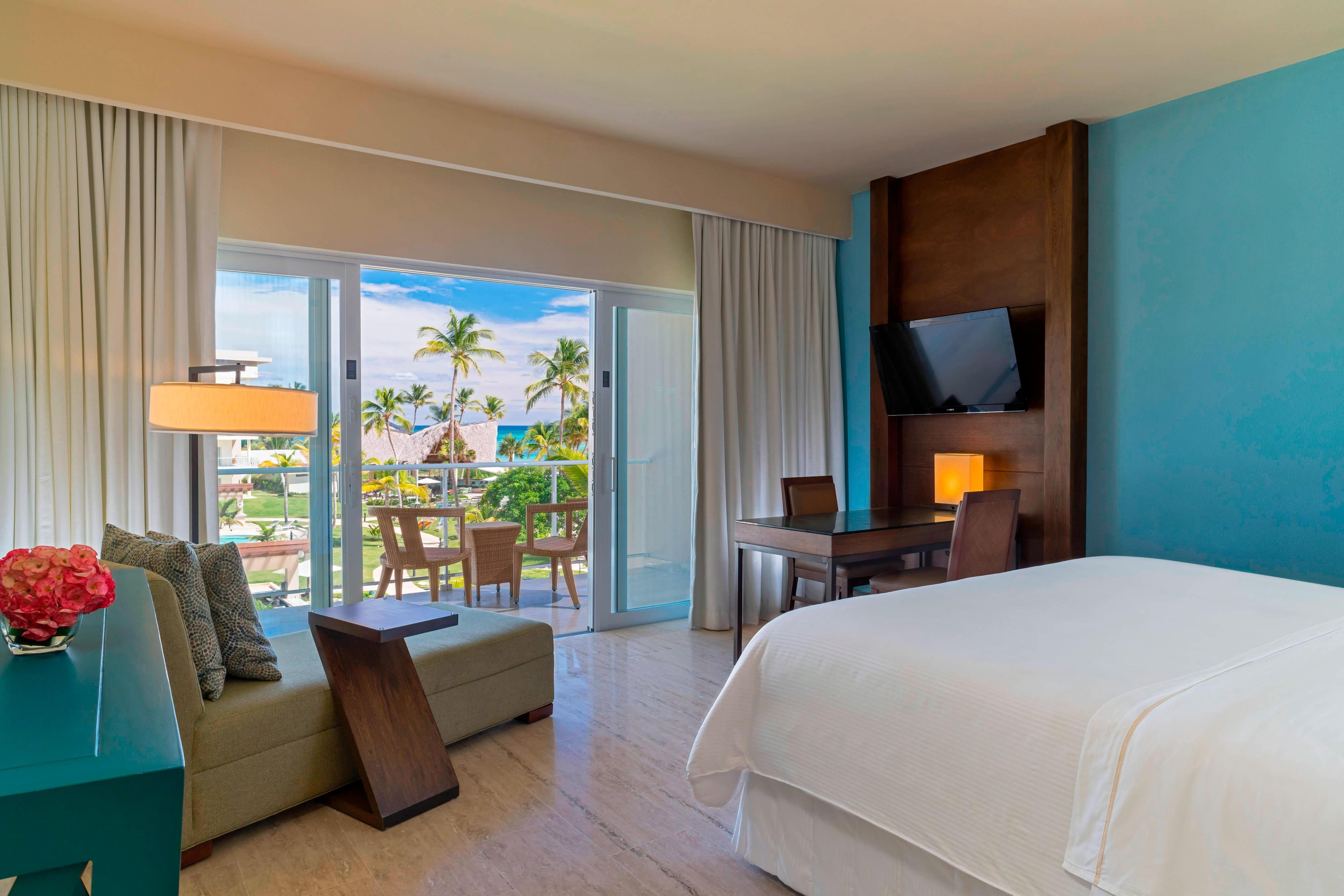 Traditional Ocean View Guest Room