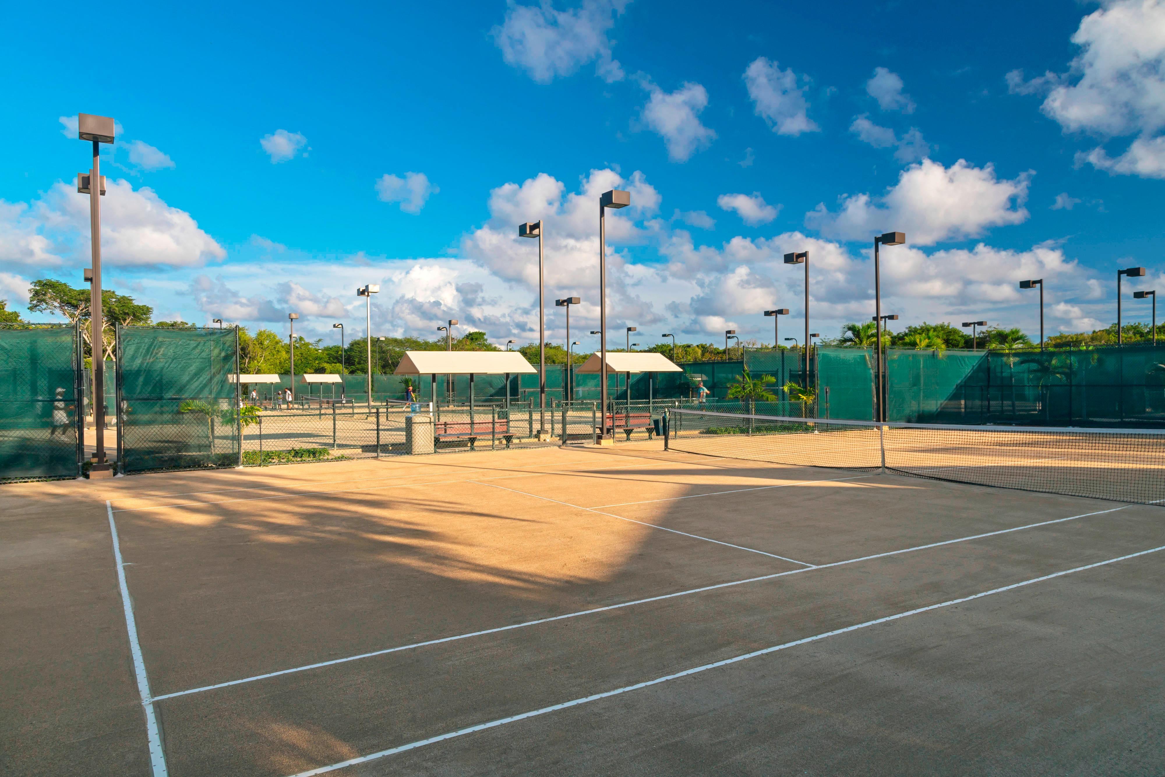 Oscar de la Renta Tennis Center