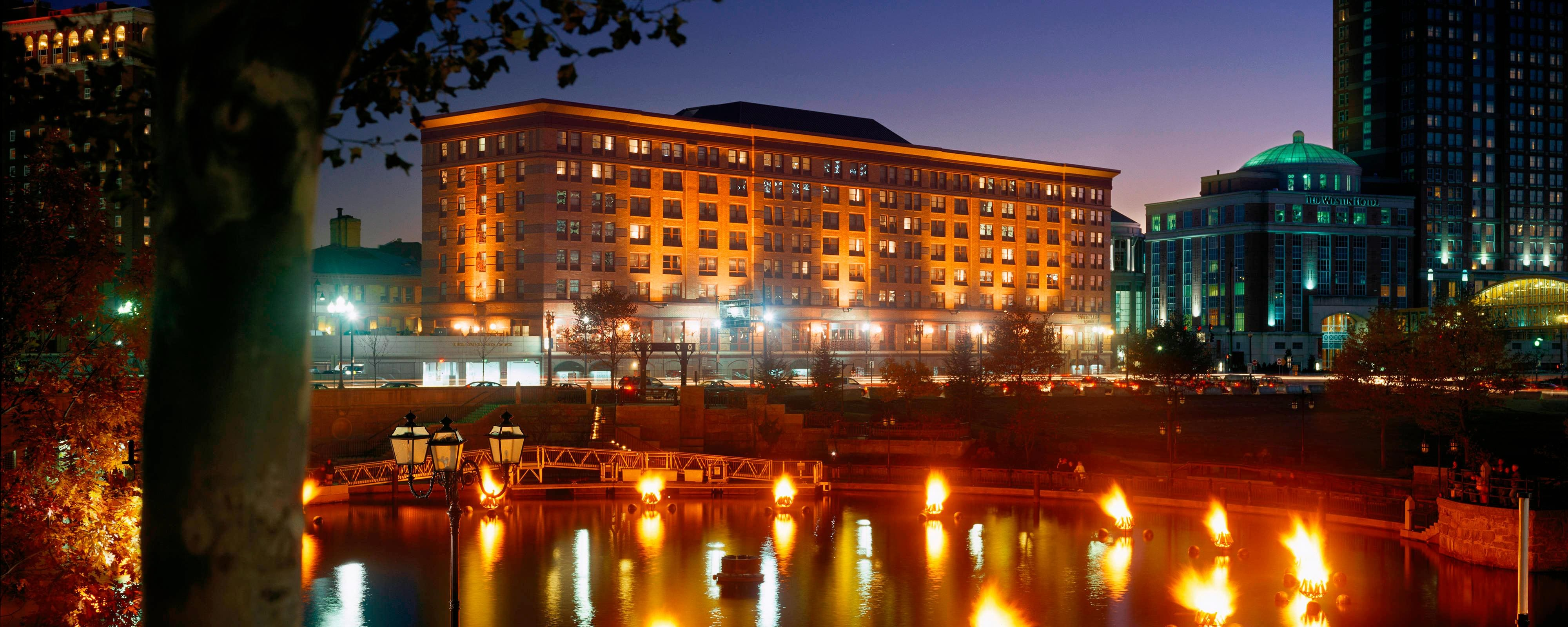 Providence RI Hotels: Courtyard by Marriott Providence Downtown ...
