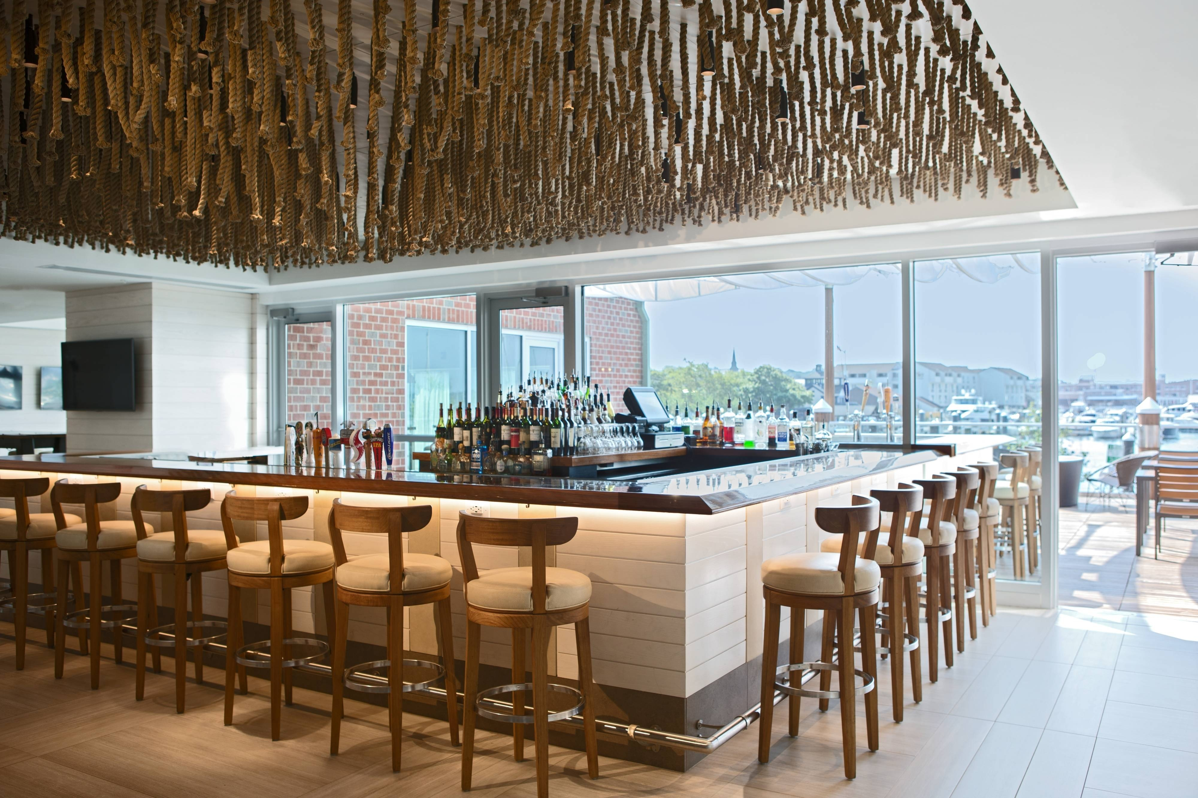 Newport Skiff Indoor/Outdoor Bar