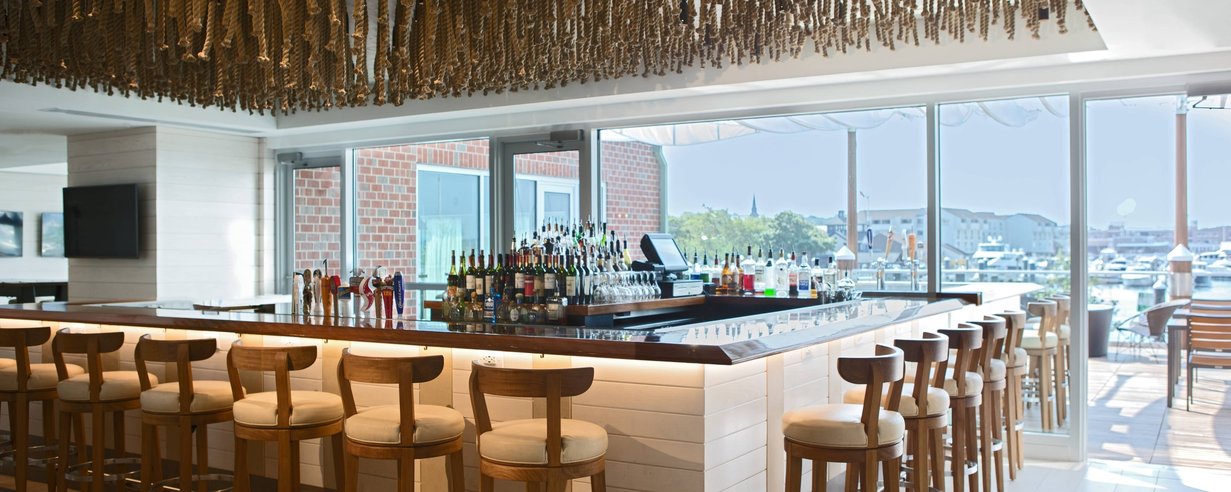 Waterfront Hotel Restaurants in Newport, RI | Newport Marriott