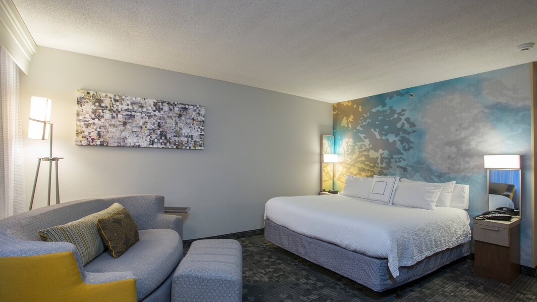 Boston Raynham Hotel King Guest Room