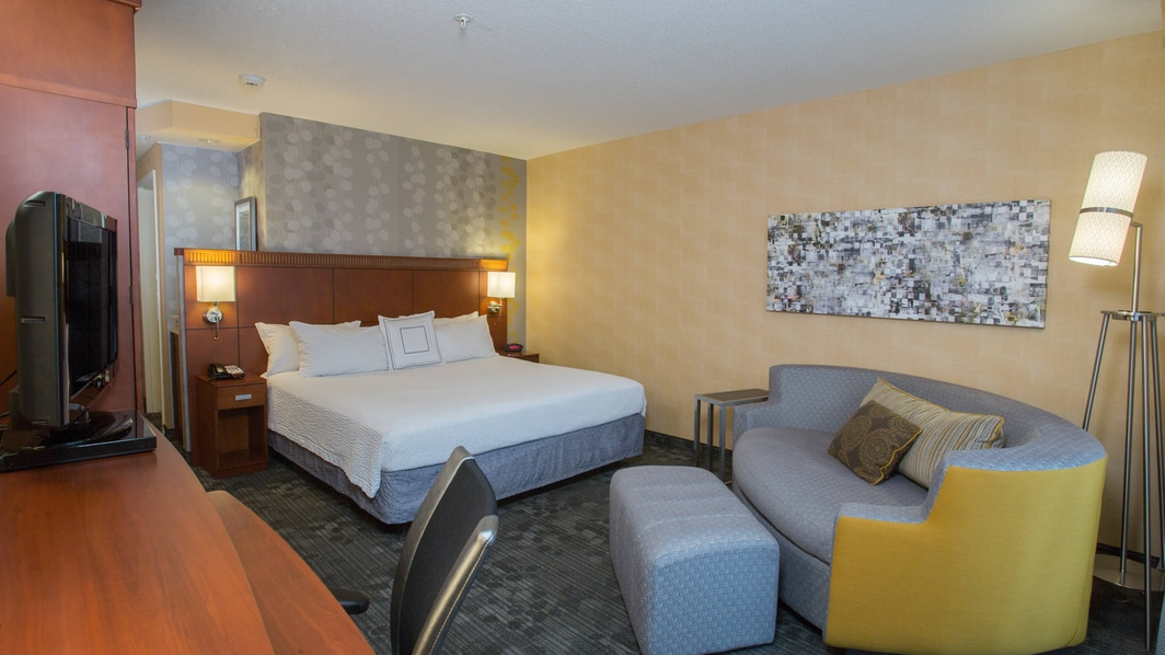 Boston Raynham Hotel King Guest Rooms