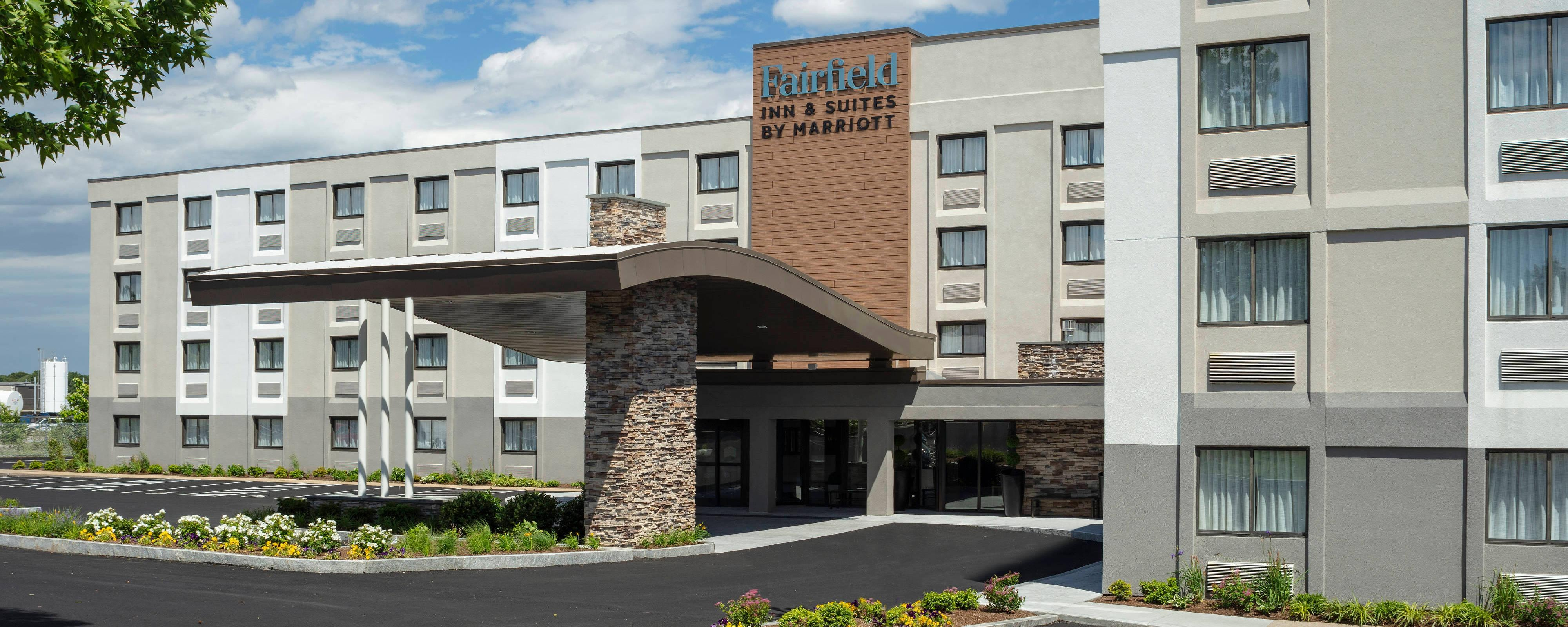warwick ri hotel deals fairfield inn suites. Black Bedroom Furniture Sets. Home Design Ideas