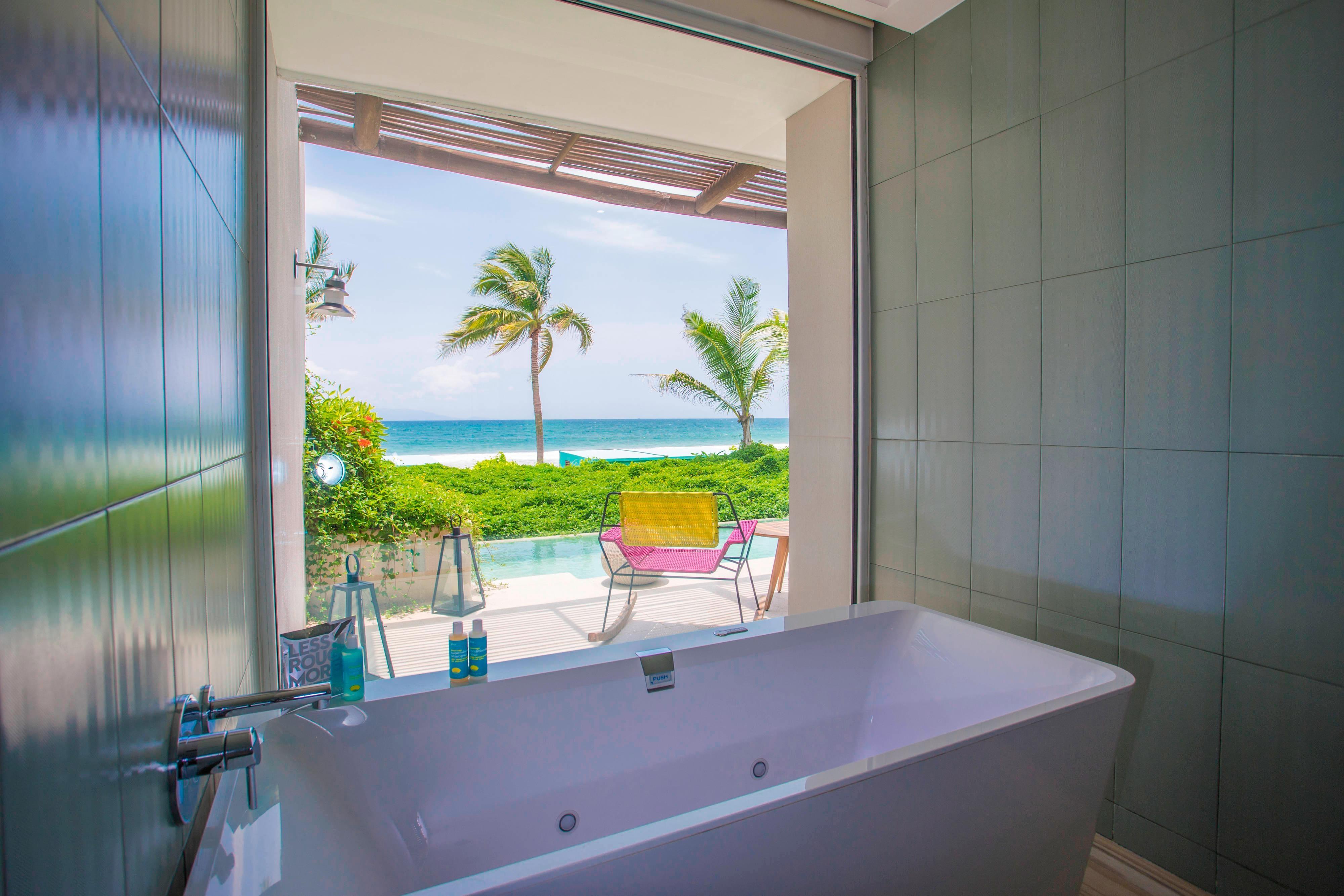 Oceanfront Haven Suite Bathtub
