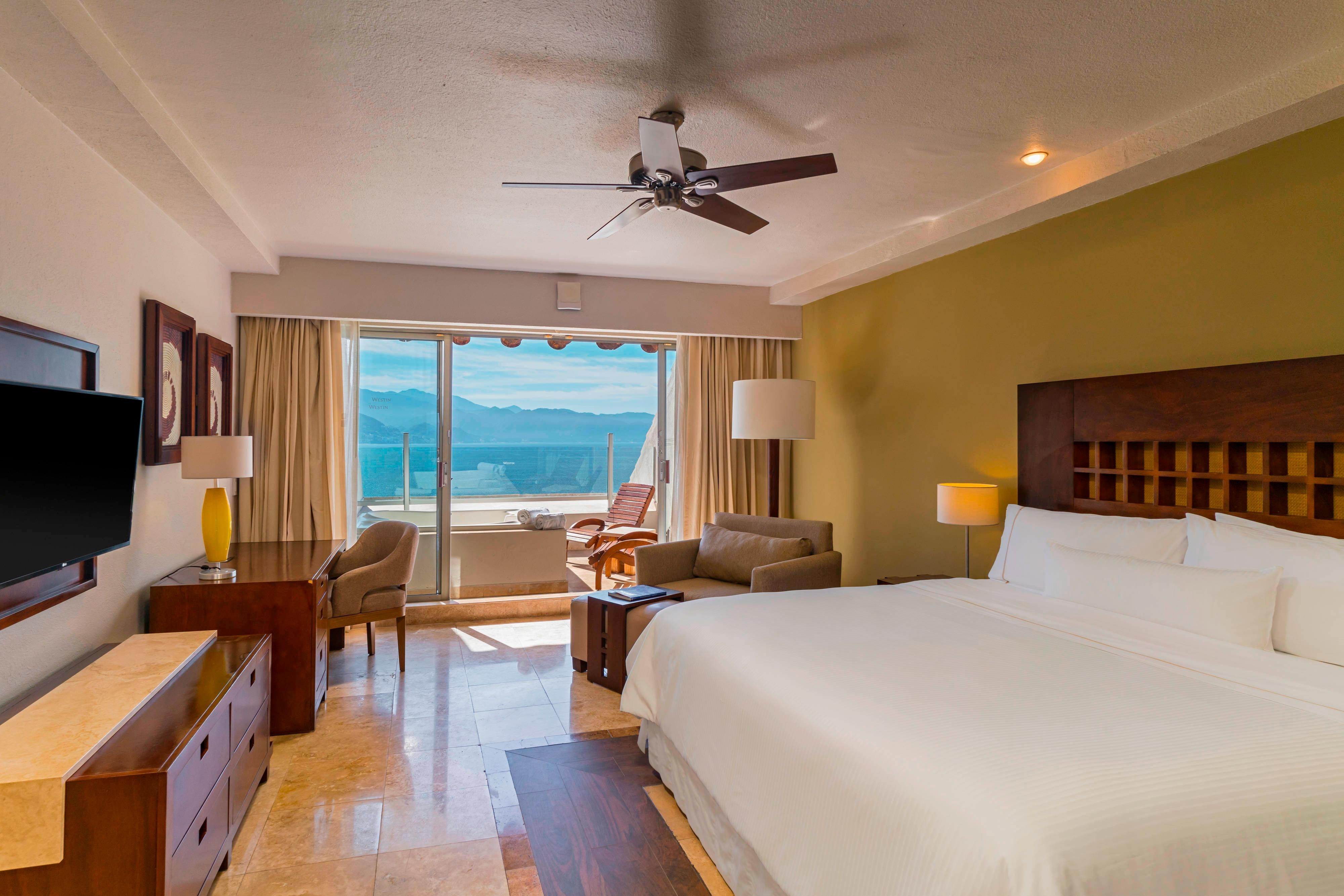 King Premium Ocean View with Jacuzzi Room