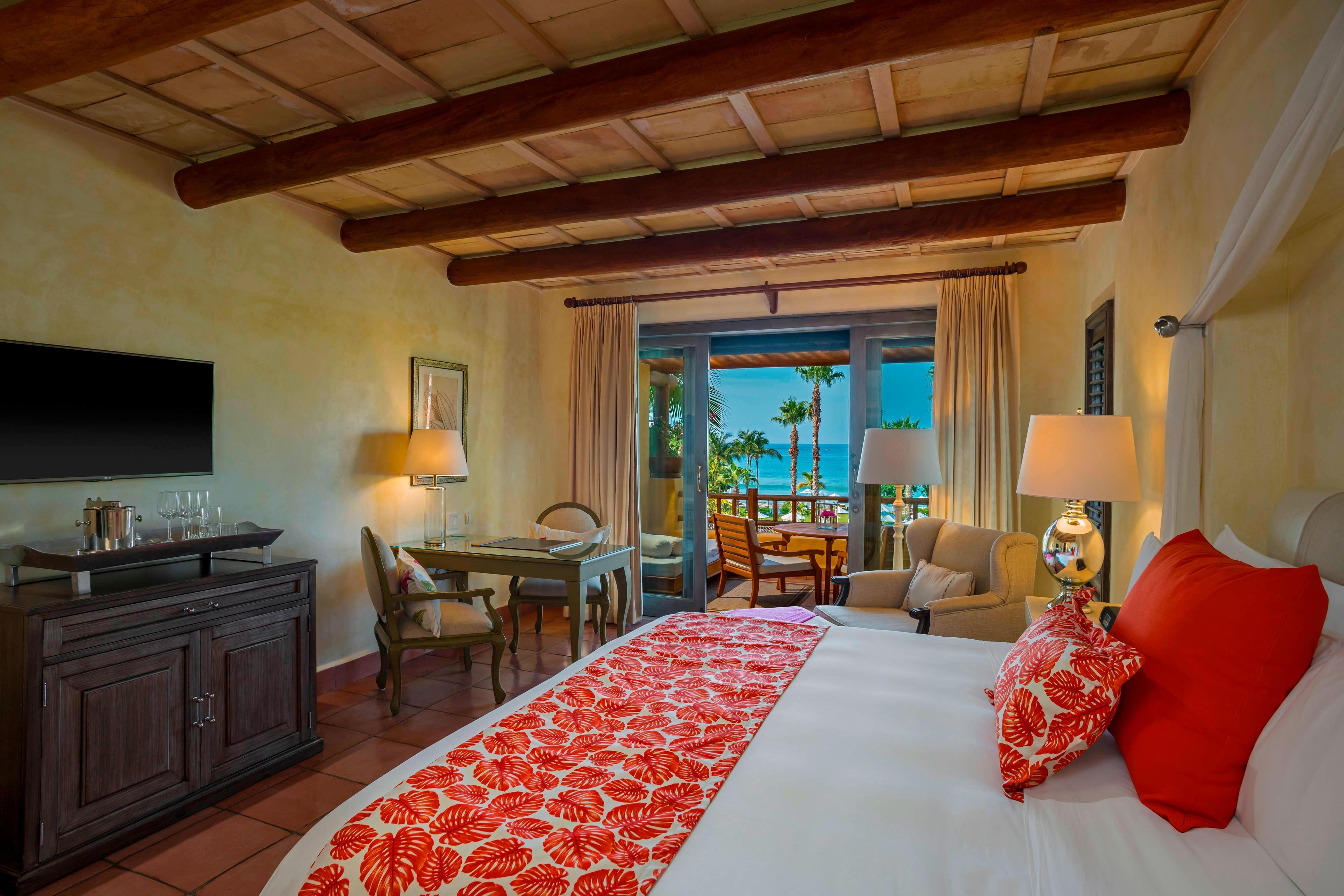 Deluxe Ocean View Room - King Bed