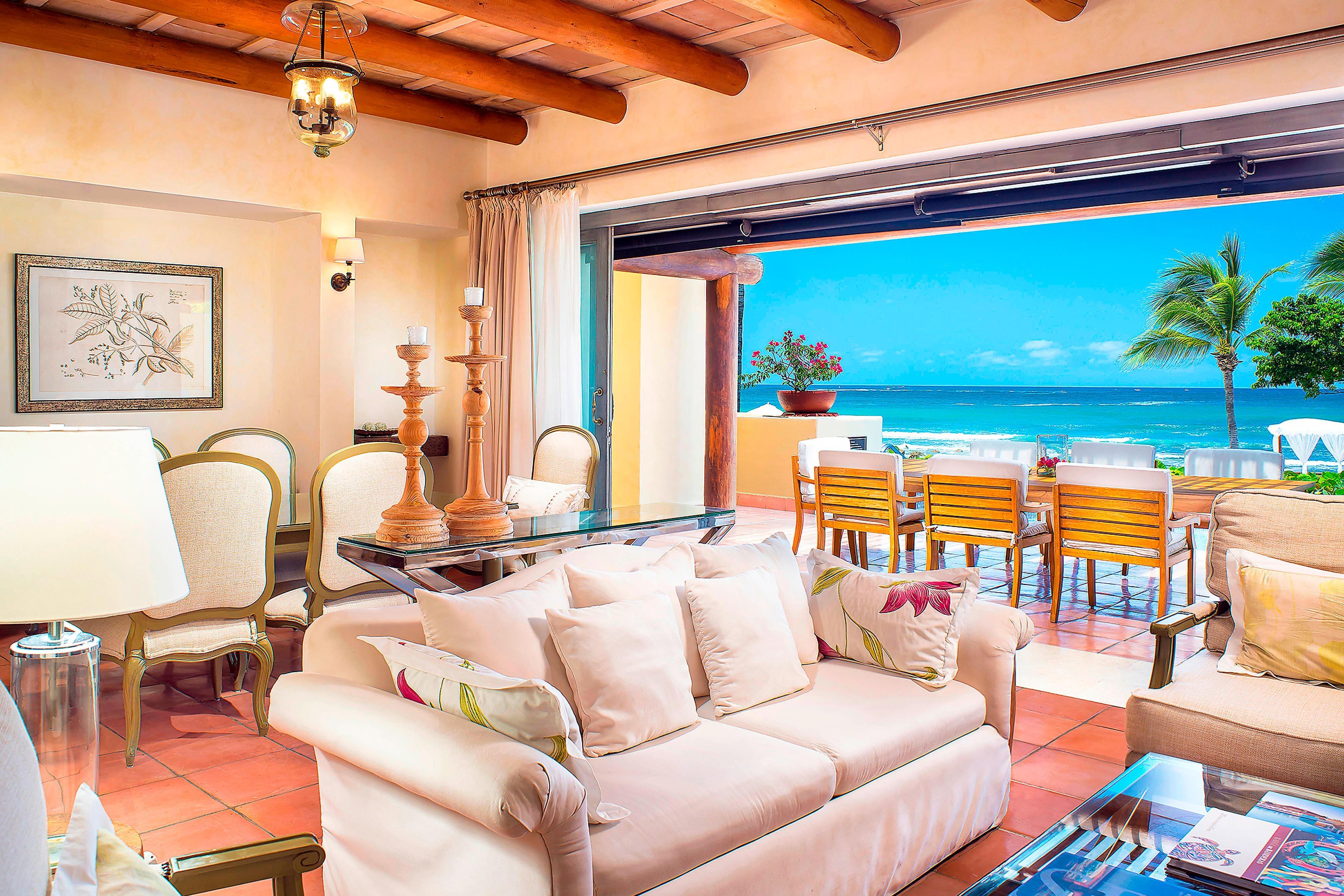 Three-Bedroom Beachfront Presidential Villa- Living Room