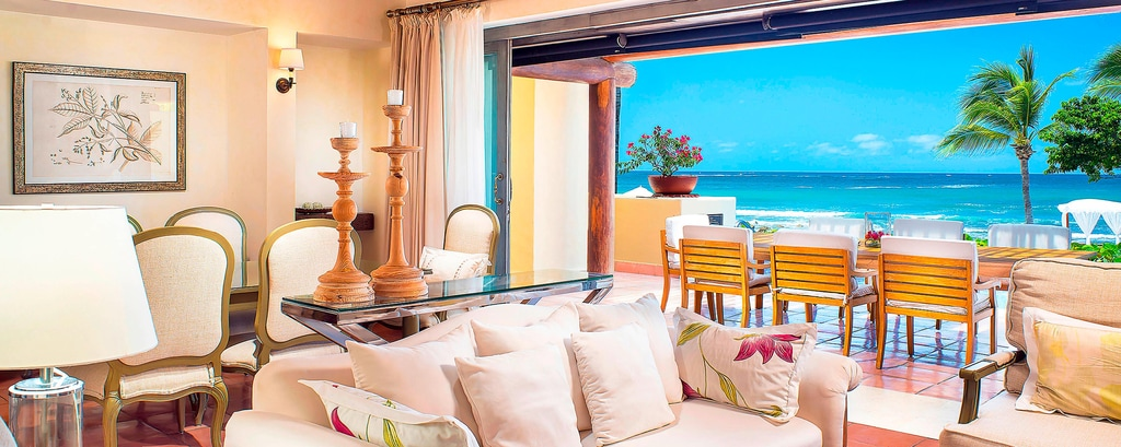 Three-Bedroom Beachfront Presidential Villa- Living Room
