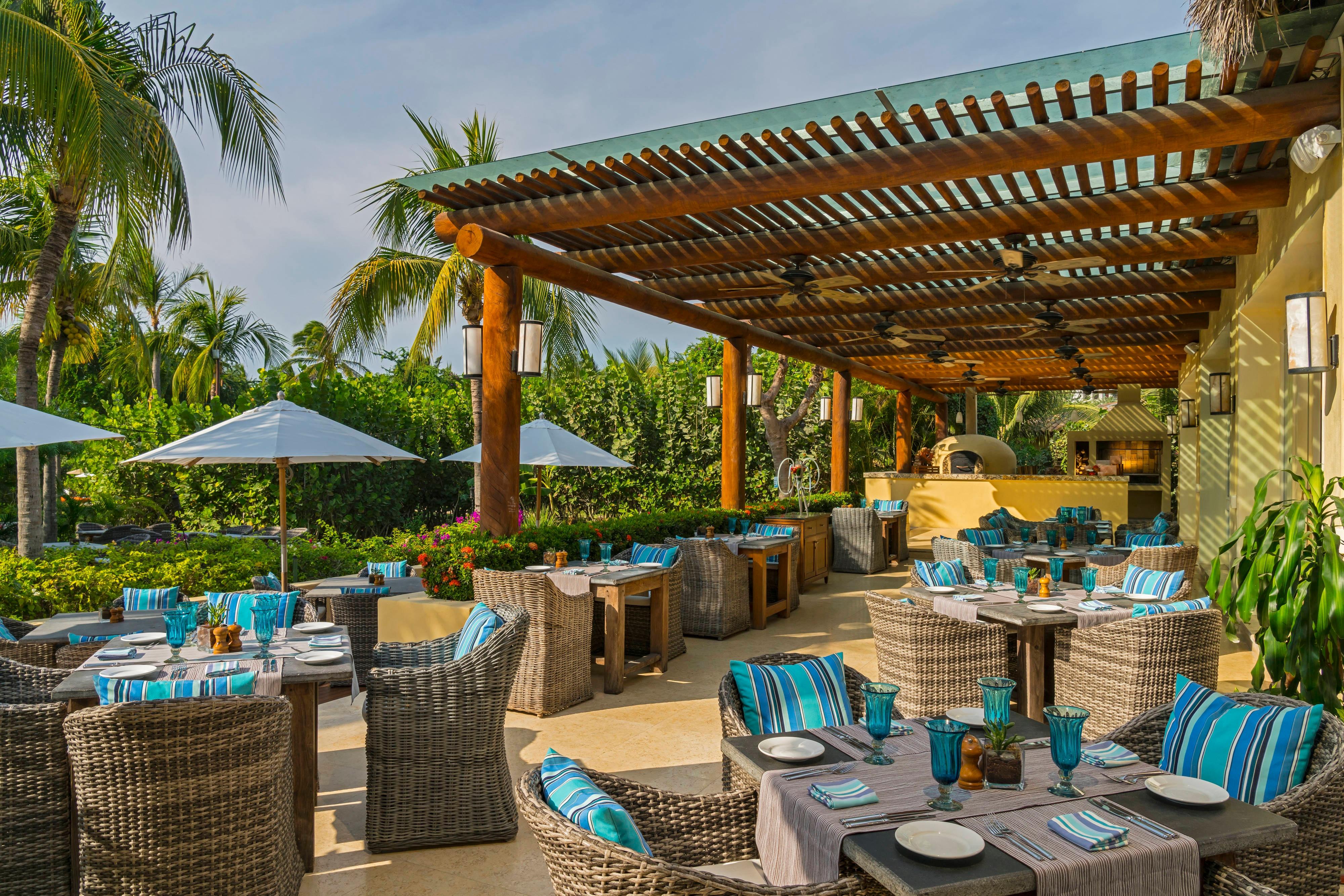 Sea Breeze Restaurant, terraza