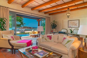 One-Bedroom Beachfront Villa Living Room
