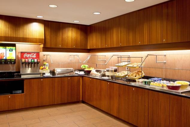 Auburn hotel with free breakfast