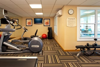 Auburn hotels with fitness center