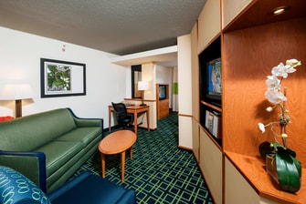 Brunswick Freeport hotel business suite