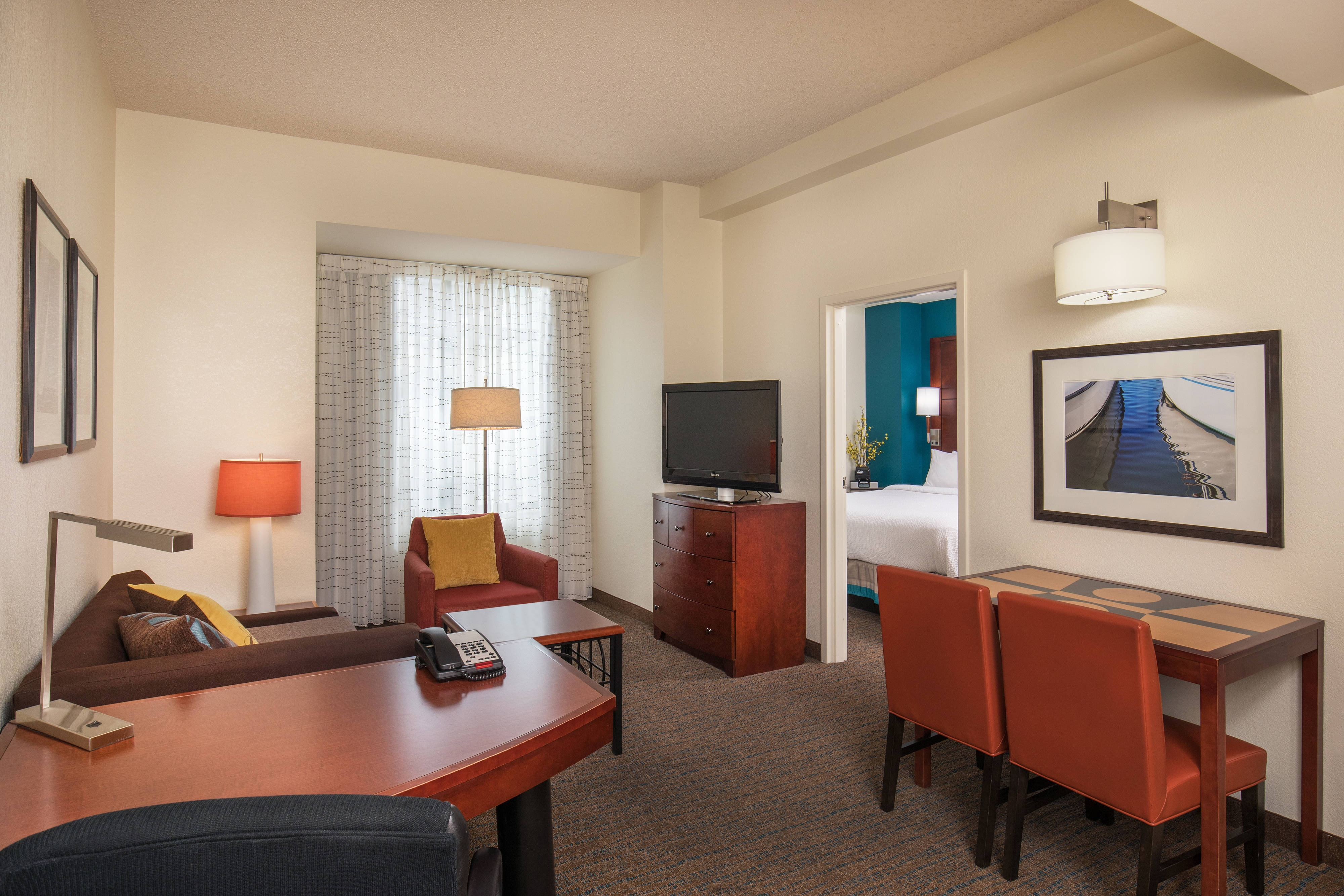 Extended stay deluxe suite hotel downtown portland - Bedroom furniture portland maine ...