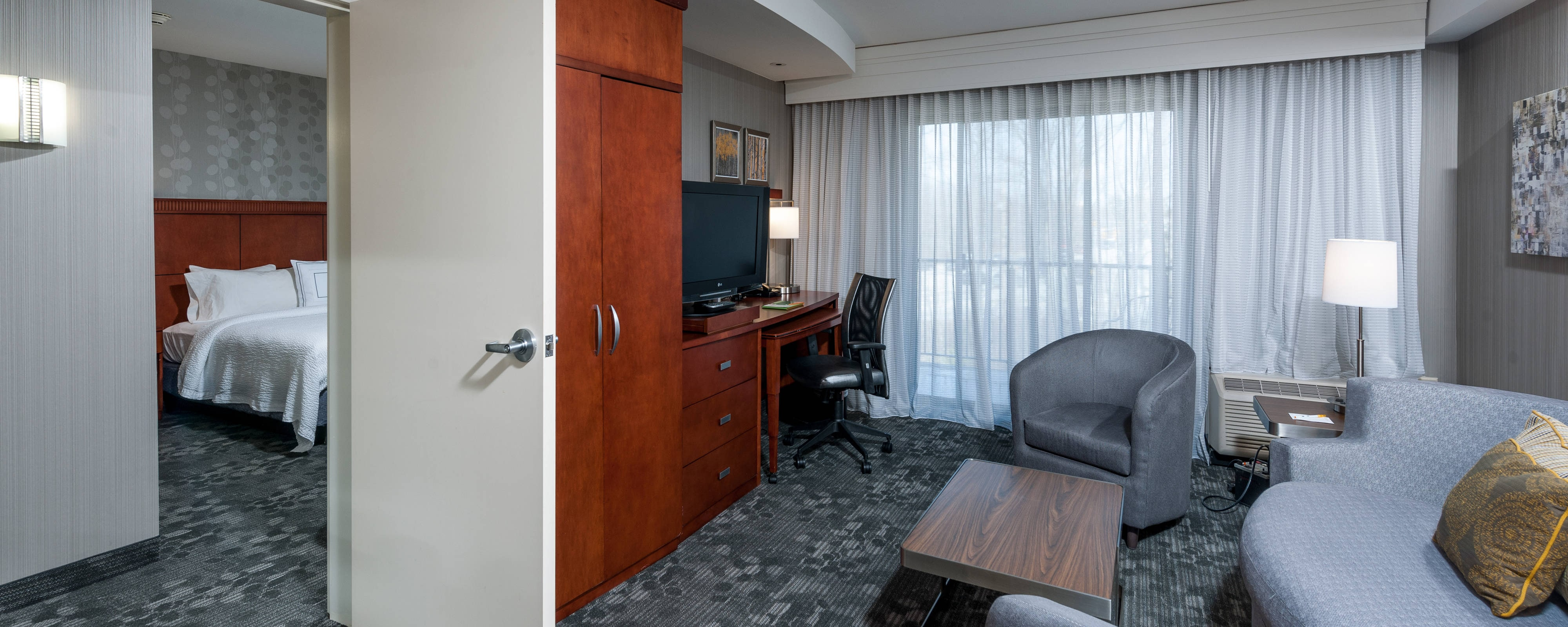 Suite King del Courtyard Portland Airport