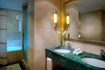 Jordan Valley Executive Suite Bathroom
