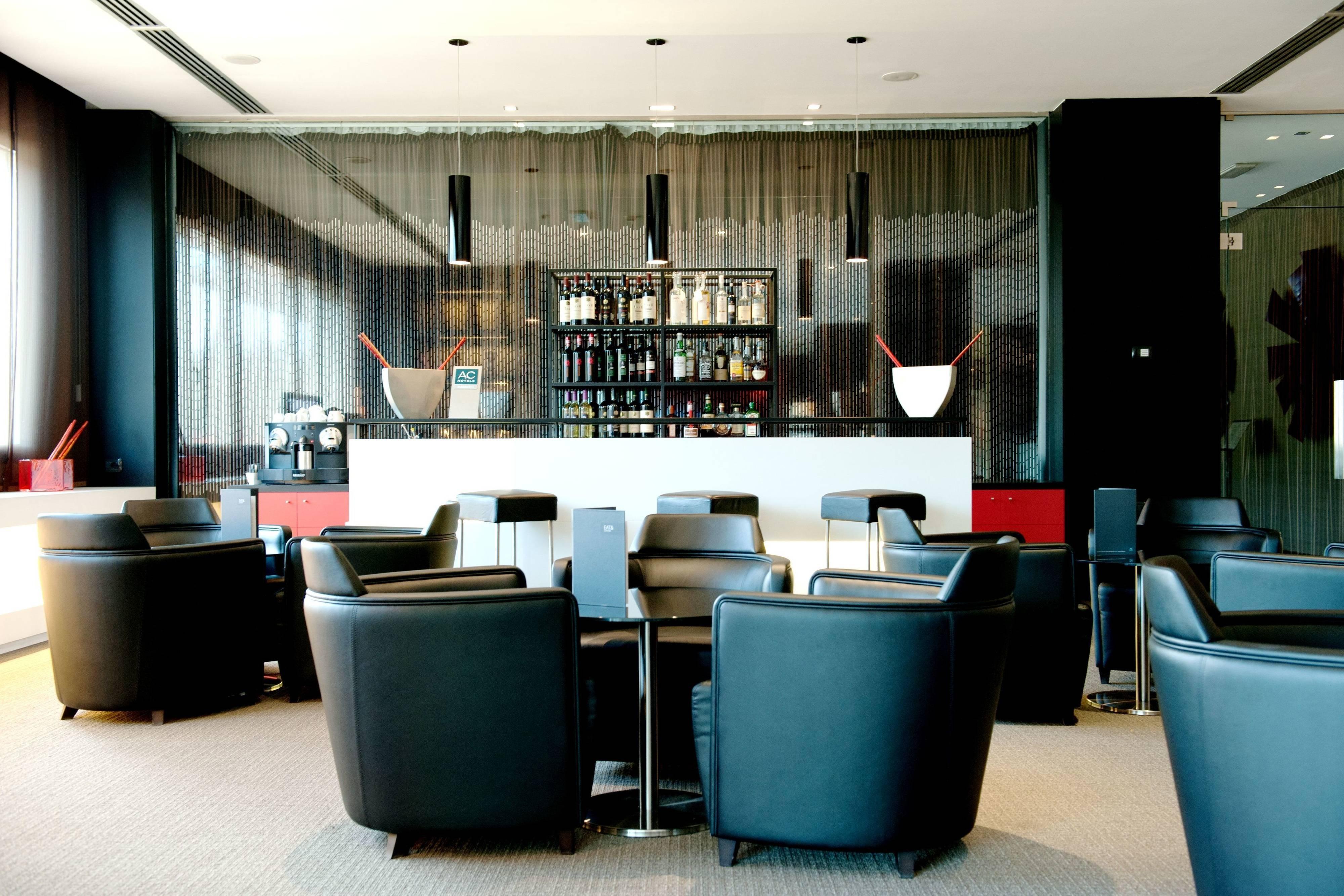 AC Hotel Padova Bar