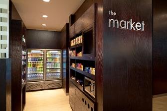 Mercado abierto las 24 horas en el hotel de Querétaro